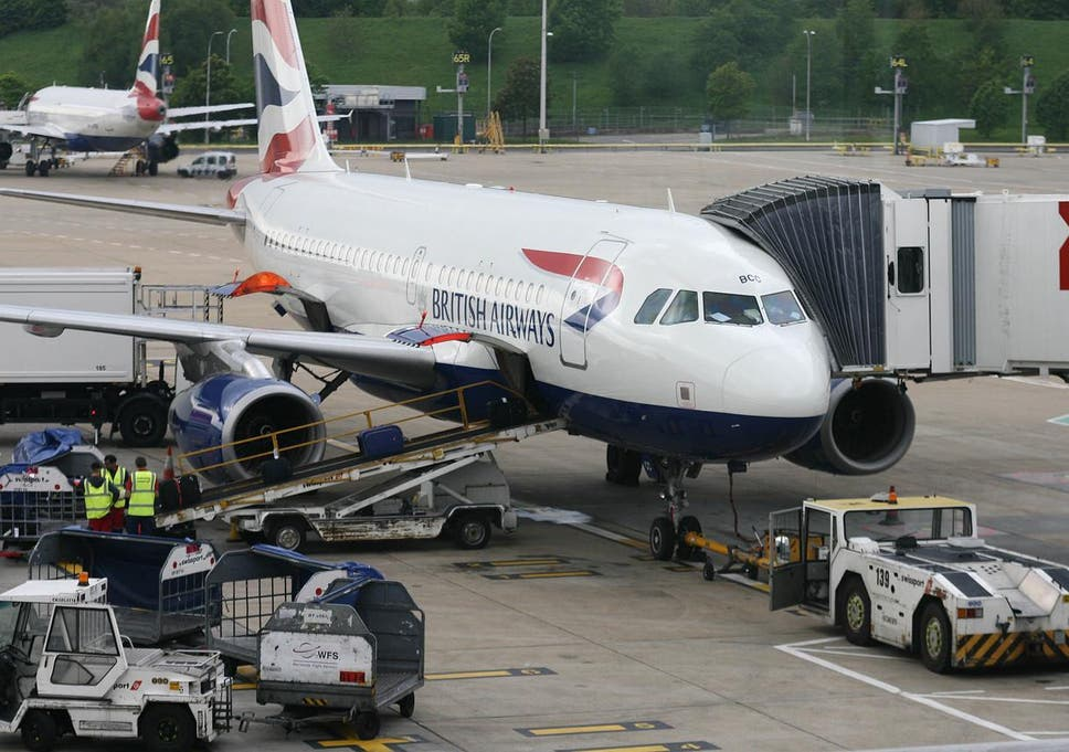 BA cabin crew staff accept pay rise after bitter dispute