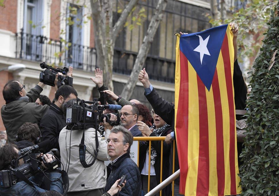 Catalonia: Spanish prosecutors ask National Court to jail