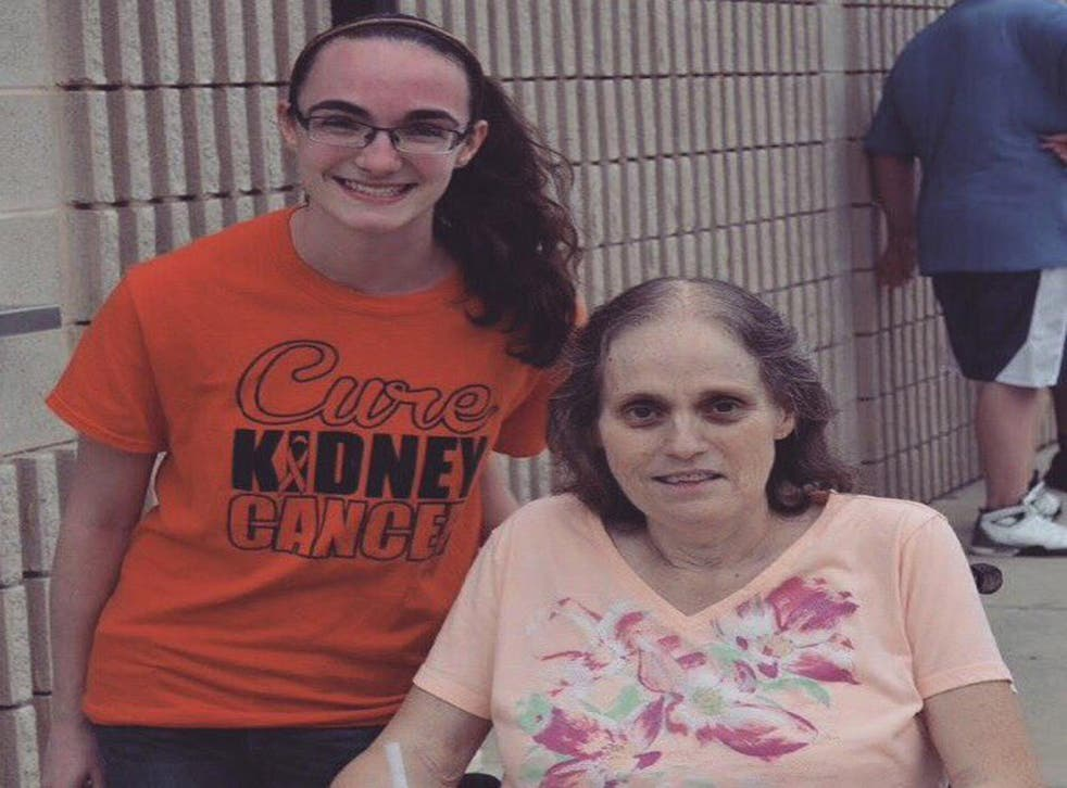 Hannah Summers with her mother, Peggy