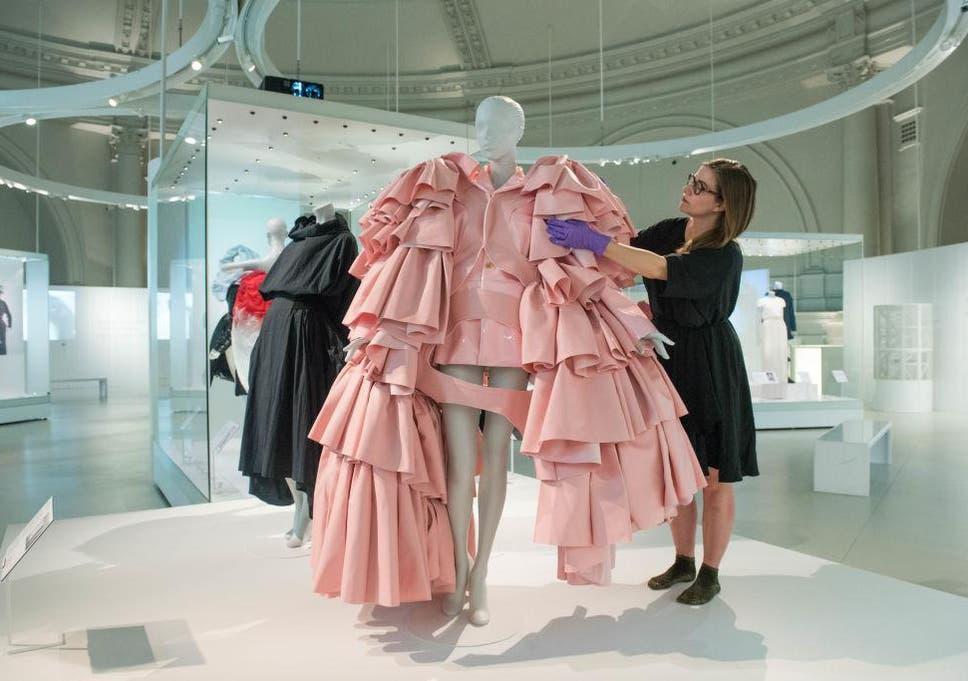 178f6a25af5 Balenciaga replaces Gucci as world s hottest fashion brand