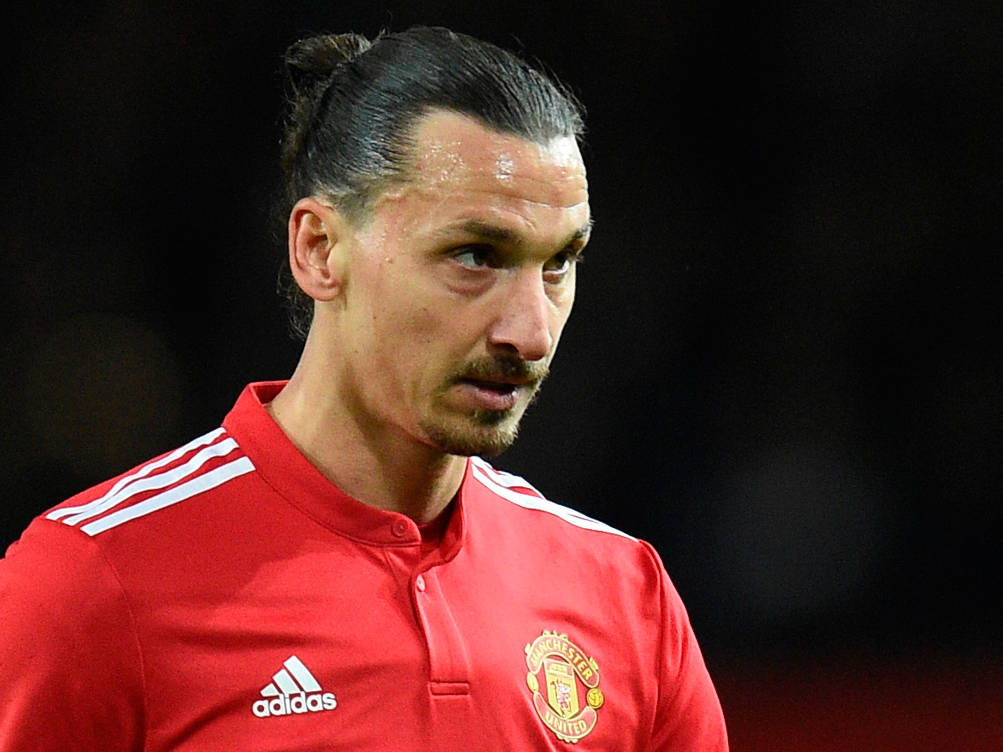 Zlatan Ibrahimovic Insists He Can Help Manchester United