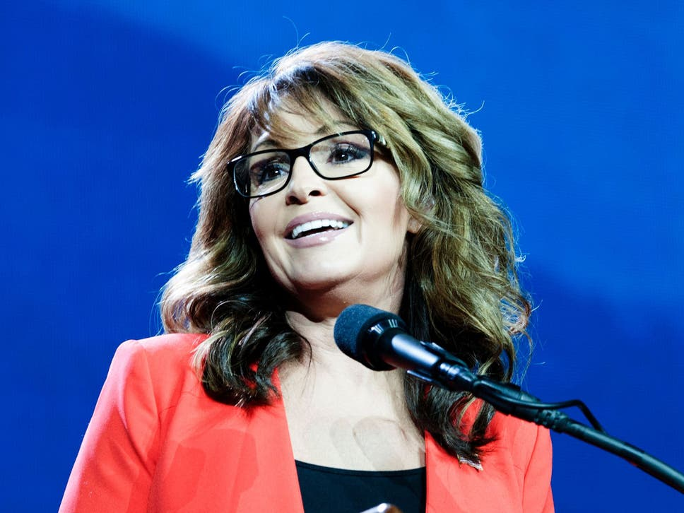Sarah palin claims she doesnt suffer sexual harassment because she the former governor made her comments following sexual misconduct allegations made against democratic senator al franken altavistaventures Images