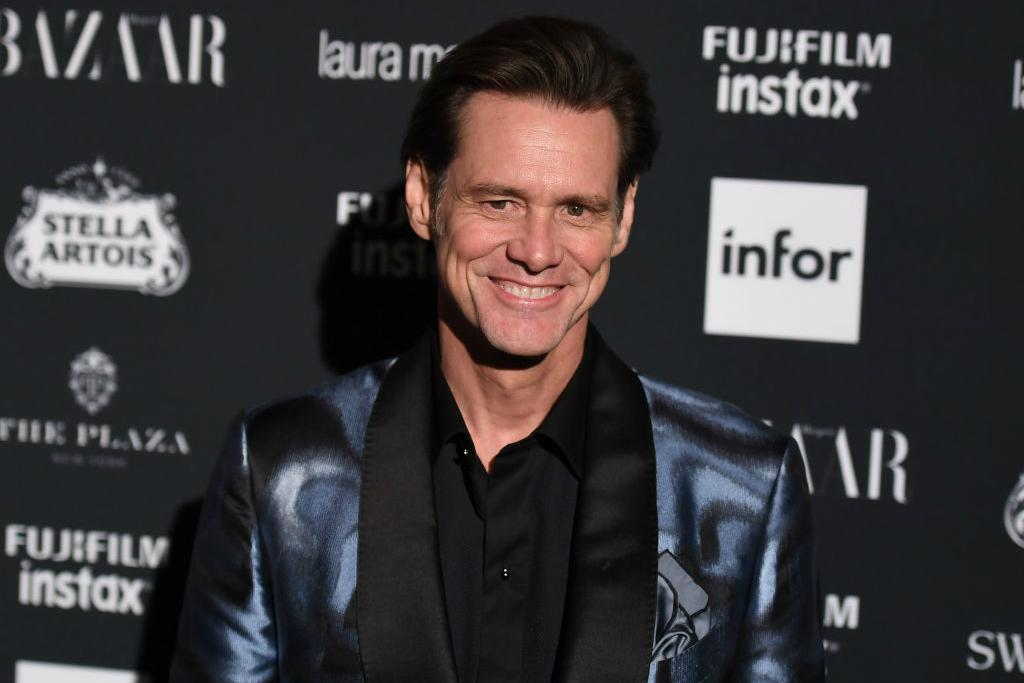 Jim Carrey unveils painting of Donald Trump as Wicked Witch of the West