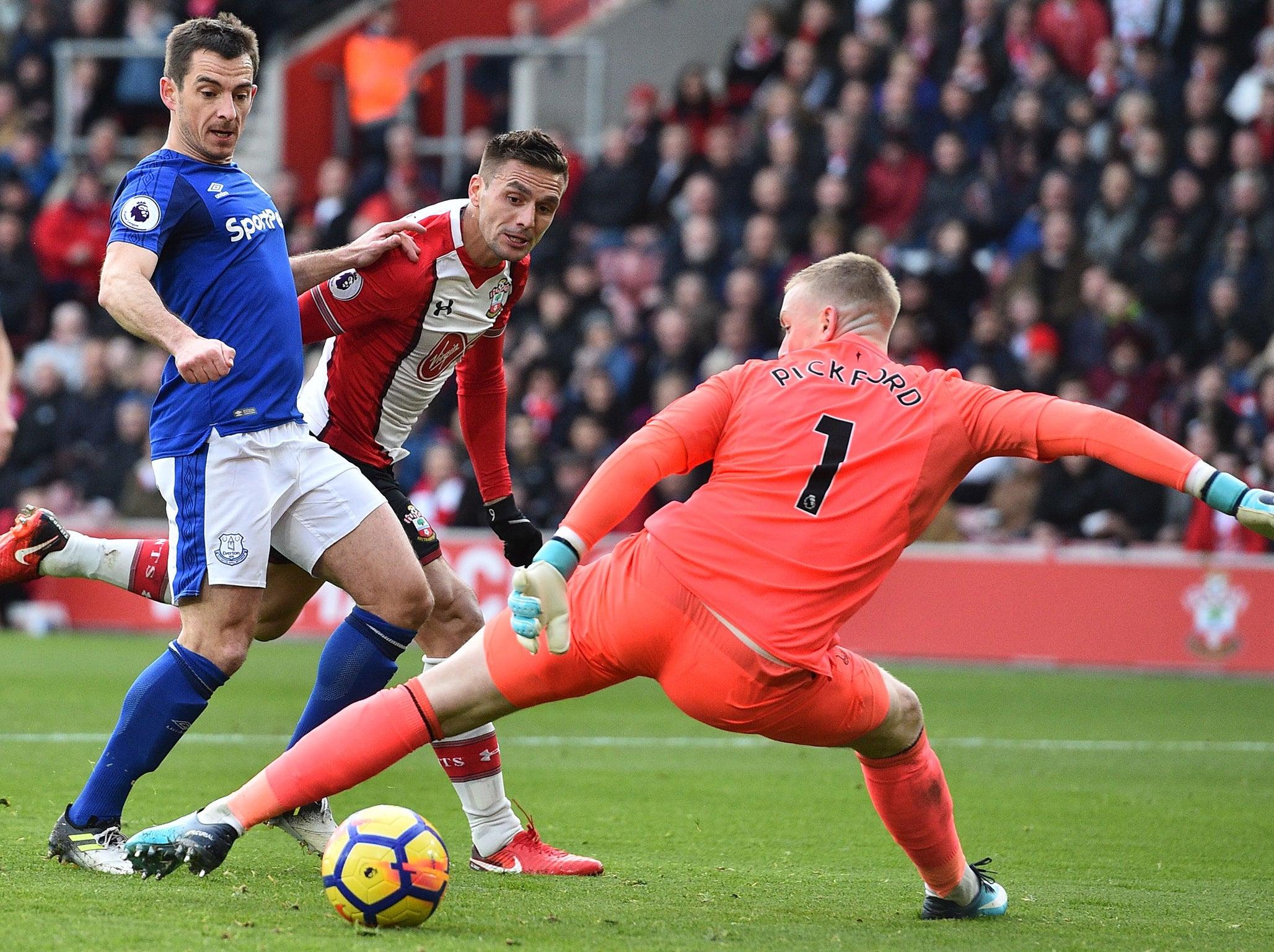 Southampton vs Everton live: Latest score as sublime Gylfi Sigurdsson strike cancels out Dusan Tadic's opener