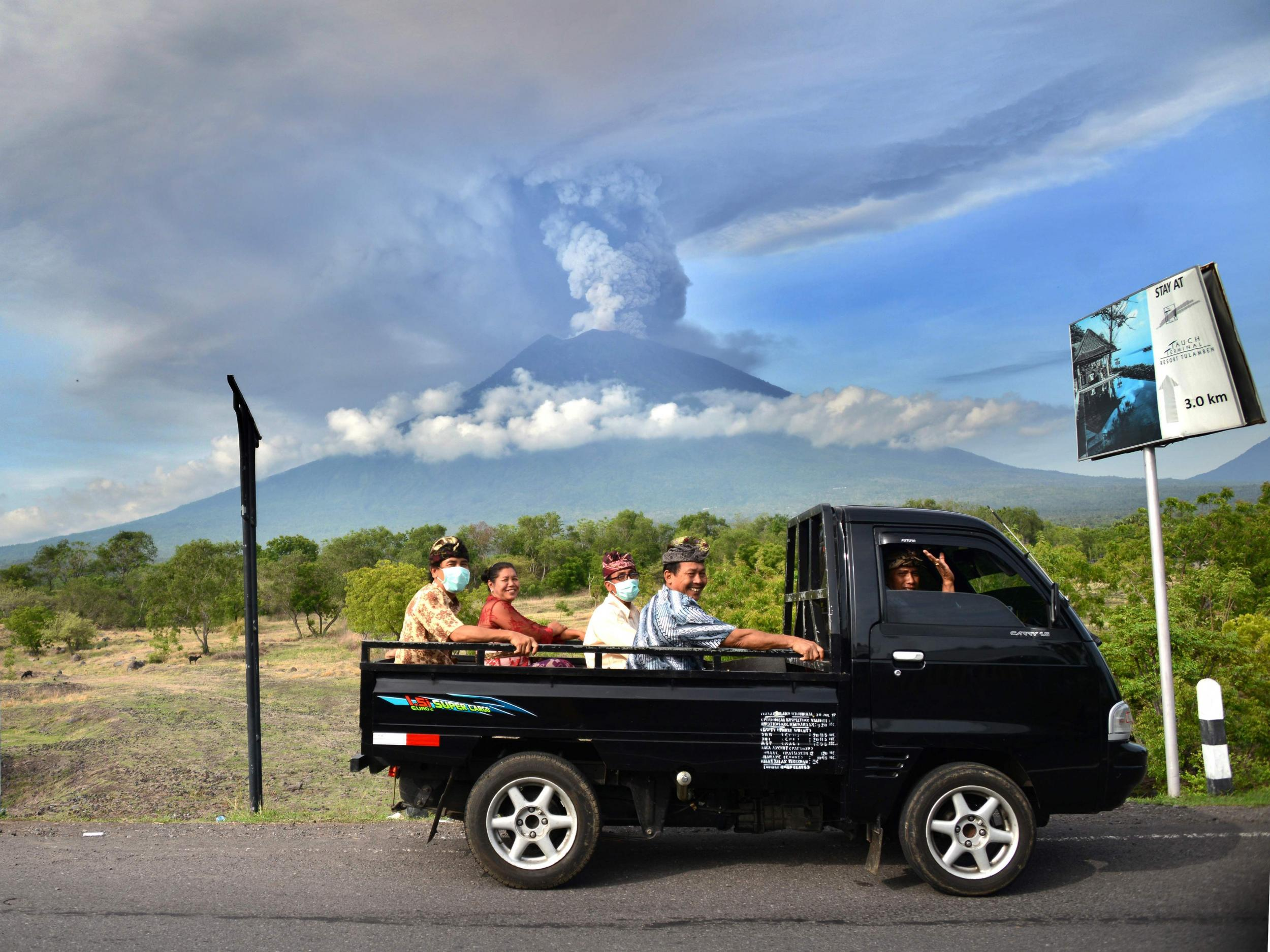 Bali Volcano Why Stranded Tourists Will Help The Islands Recovery Tour Transport Independent