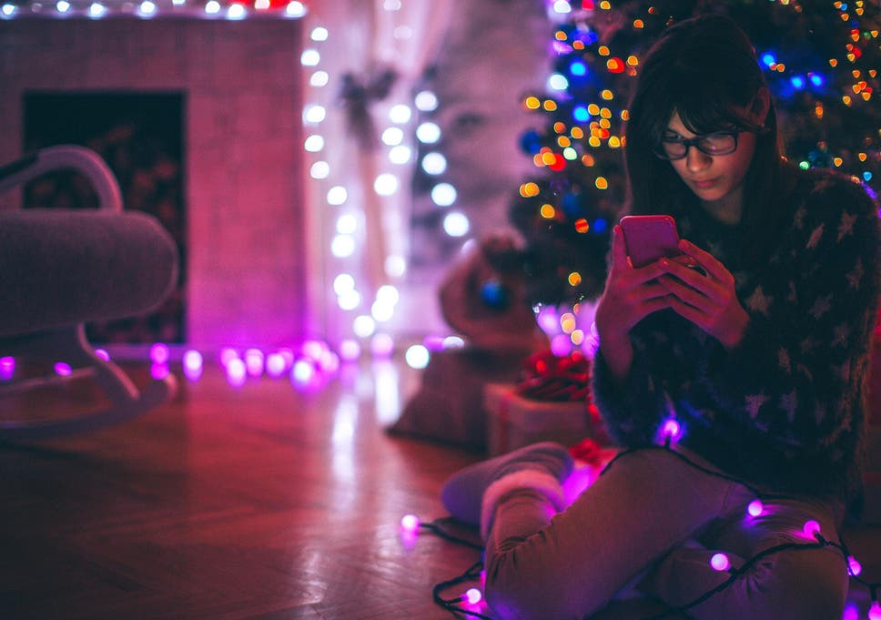 British people prefer real Christmas cards over text messages, finds ...