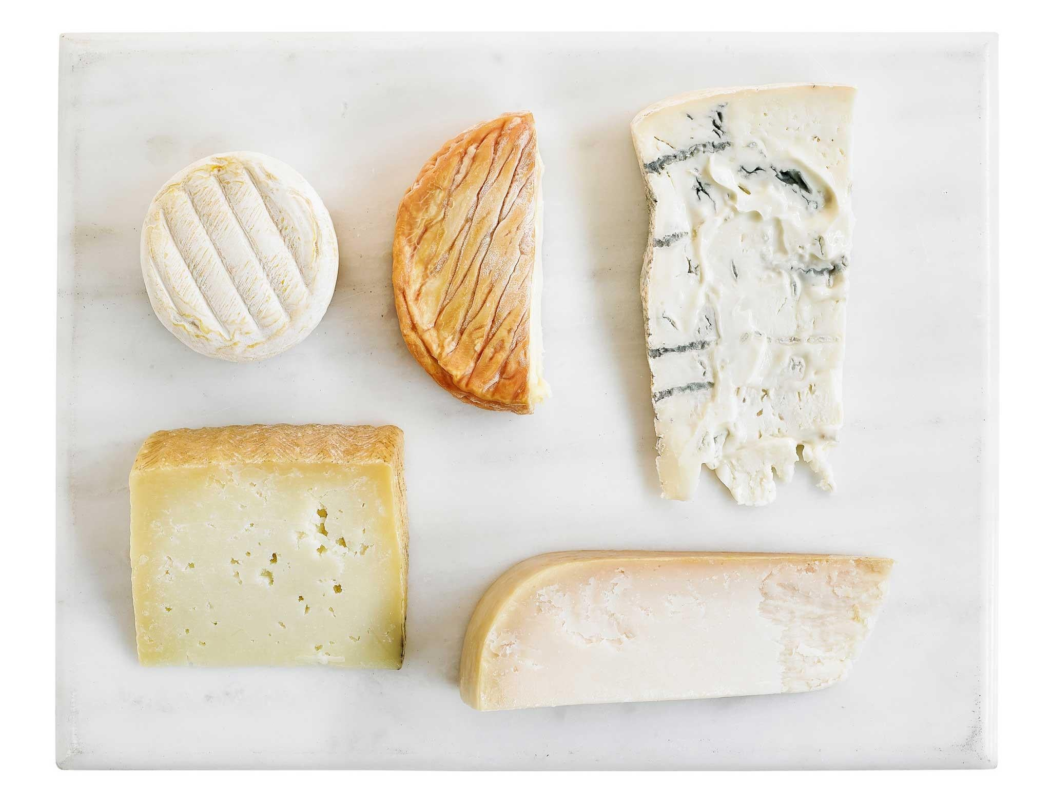8 best christmas cheese boards the independent this selection which comprises some of the finest produce in the excellent waitrose 1 range and gathers cheesemakers from all over europe is one for those solutioingenieria Image collections