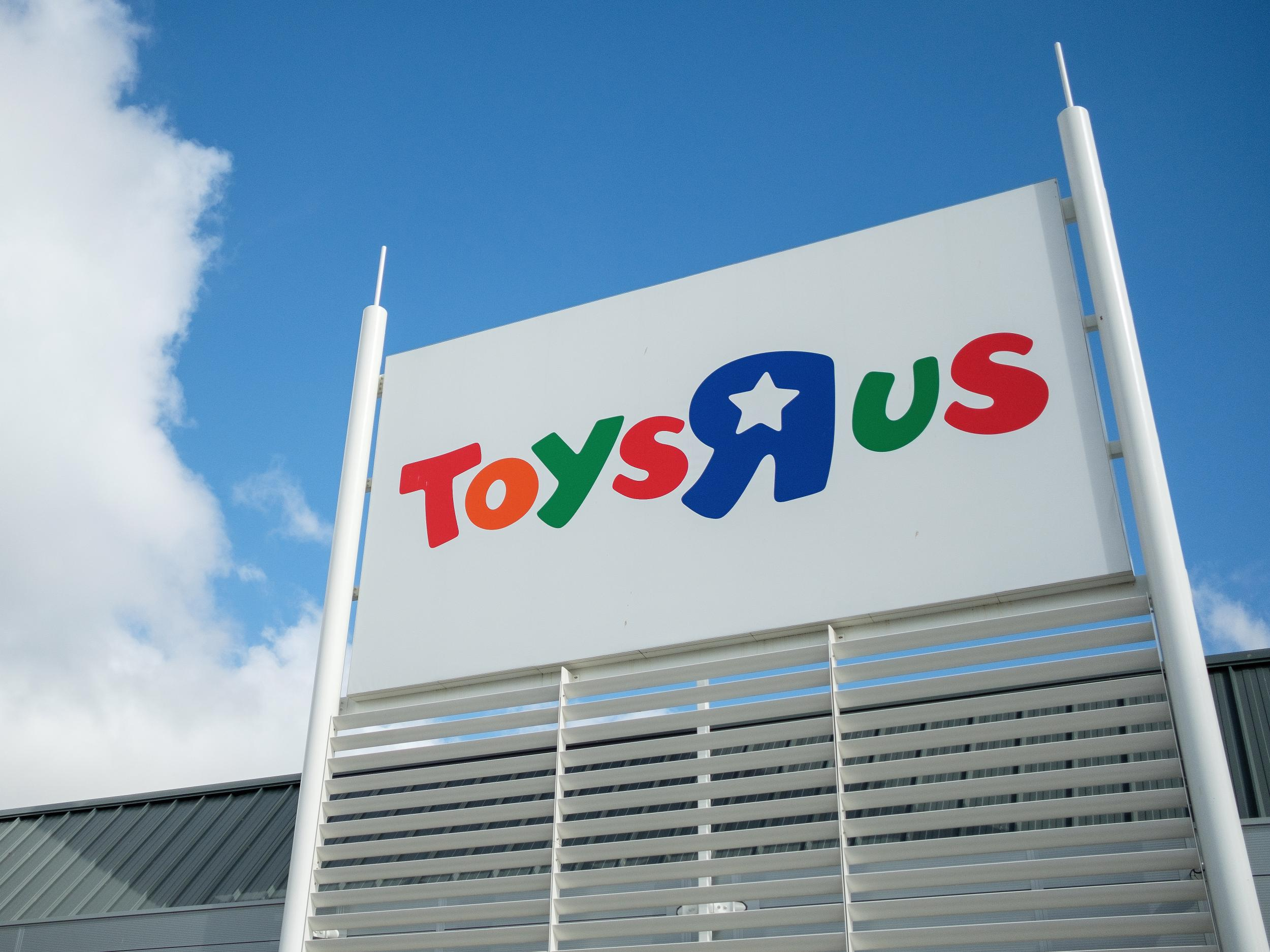 Toys r us to close all 100 uk stores with loss of 3000 jobs the toys r us to close all 100 uk stores with loss of 3000 jobs the independent falaconquin