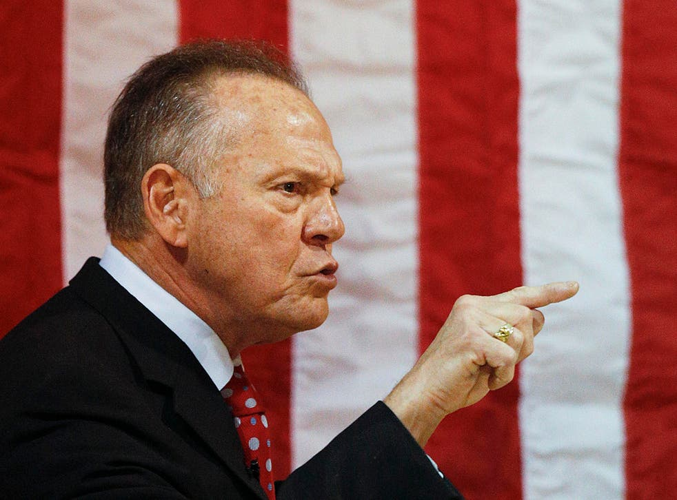 Roy Moore speaks at a campaign rally
