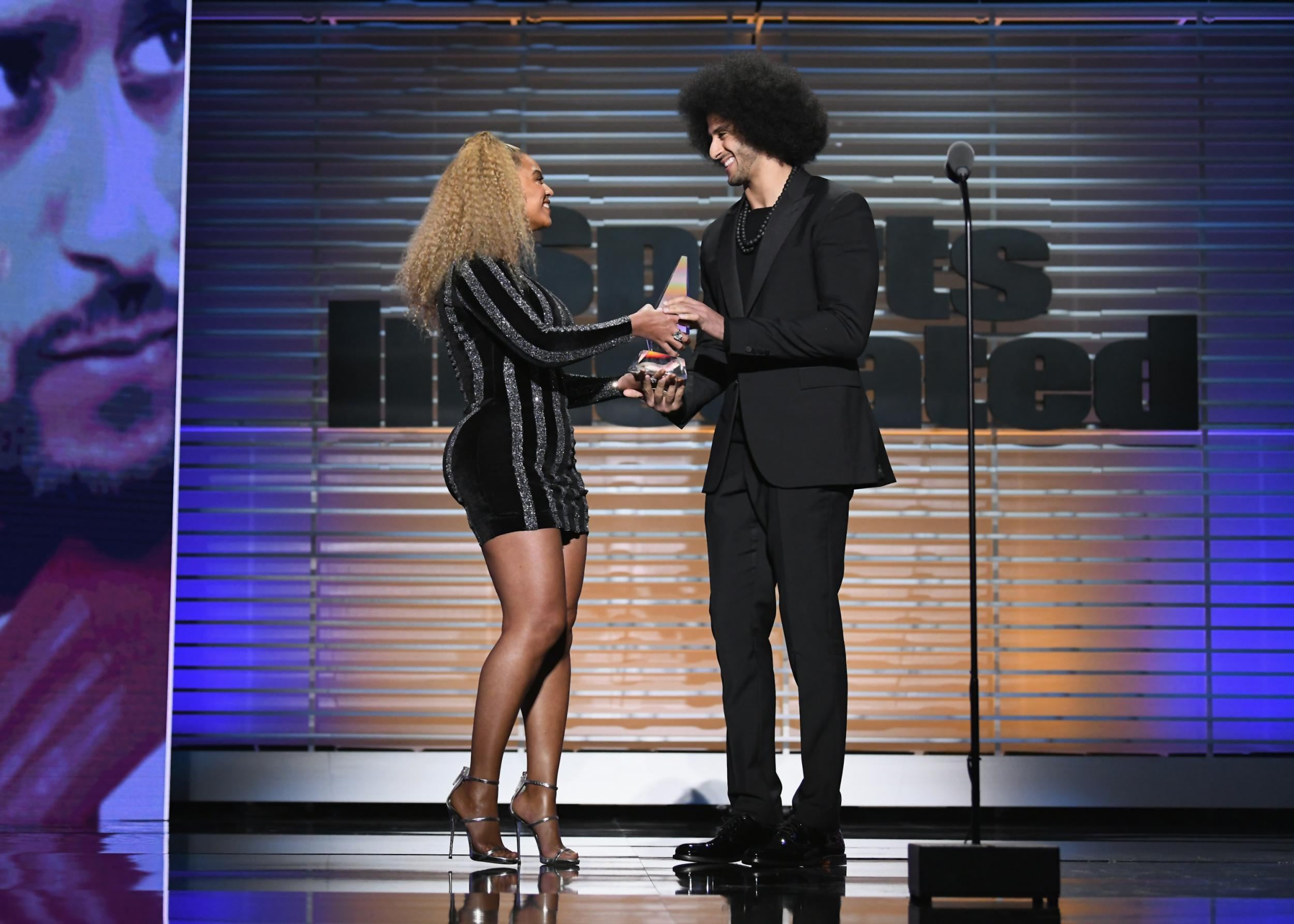 Beyonce surprised Colin Kaepernick by turning up to present him with an award