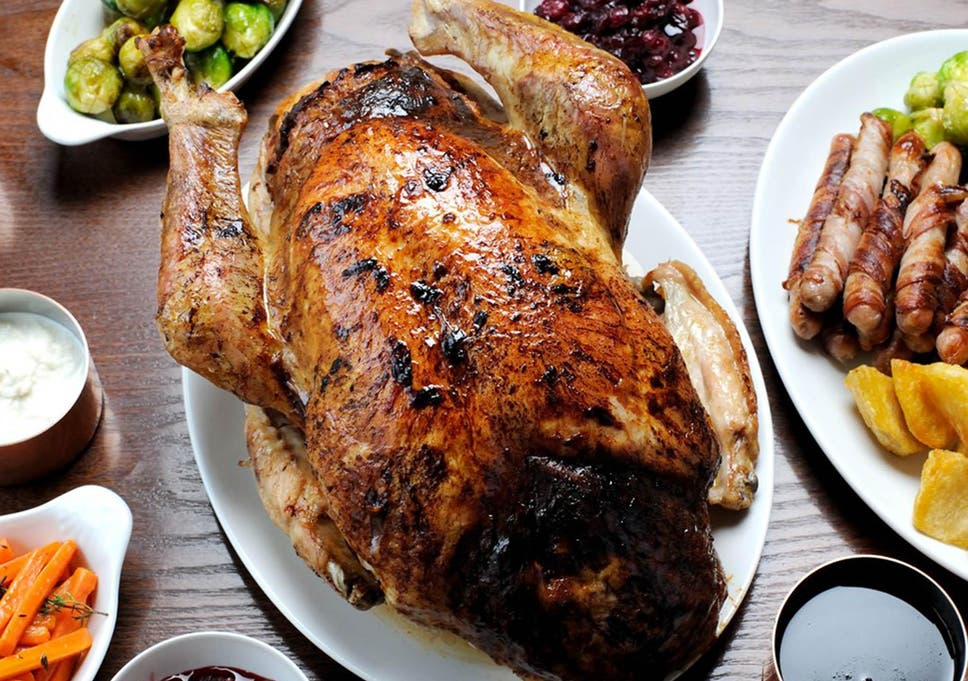 Christmas Roast.Three Main Christmas Dinner Recipes From Turkey And The