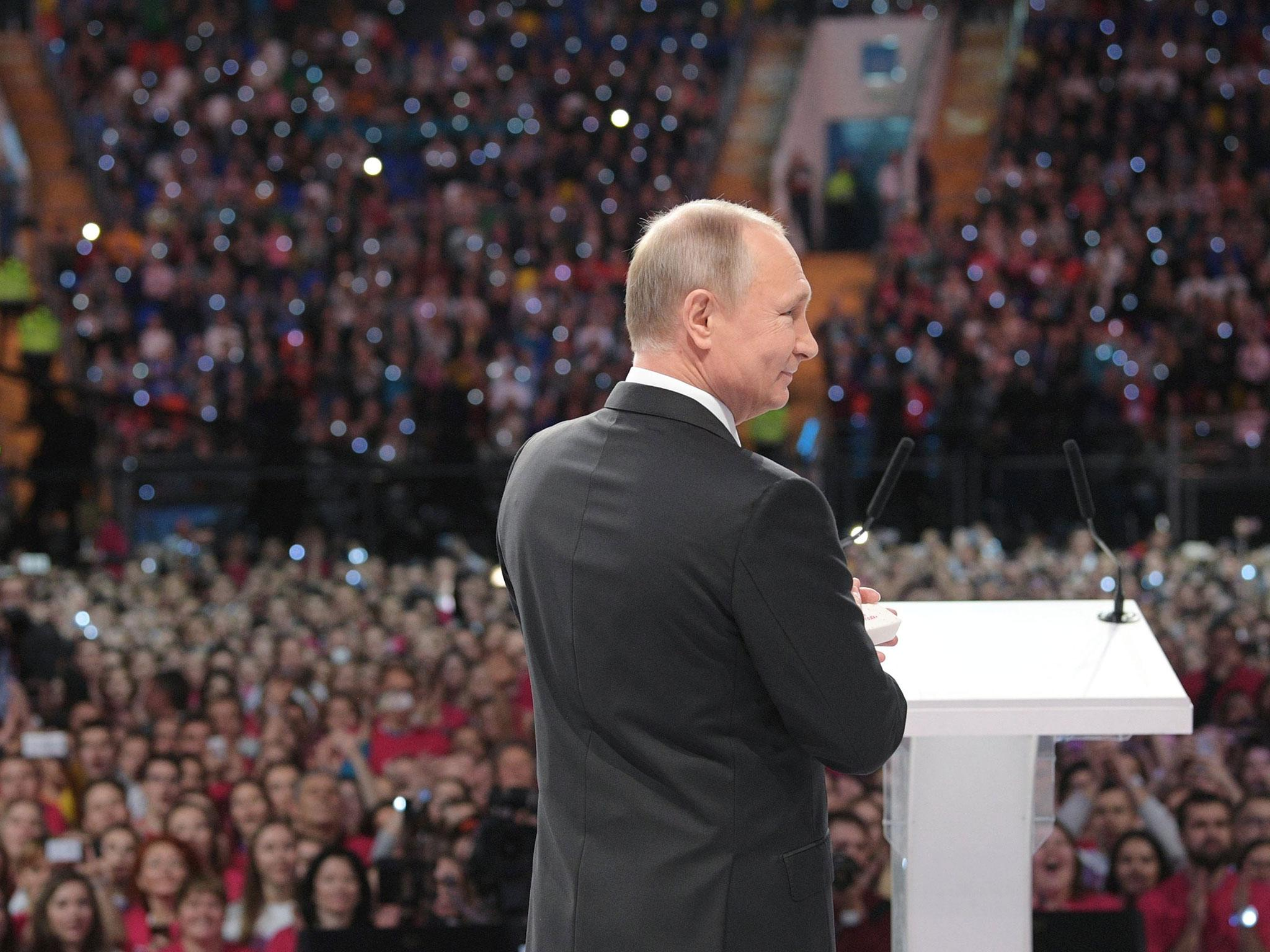 Vladimir Putin gives strongest hint yet that he will run for Russian President again in 2018