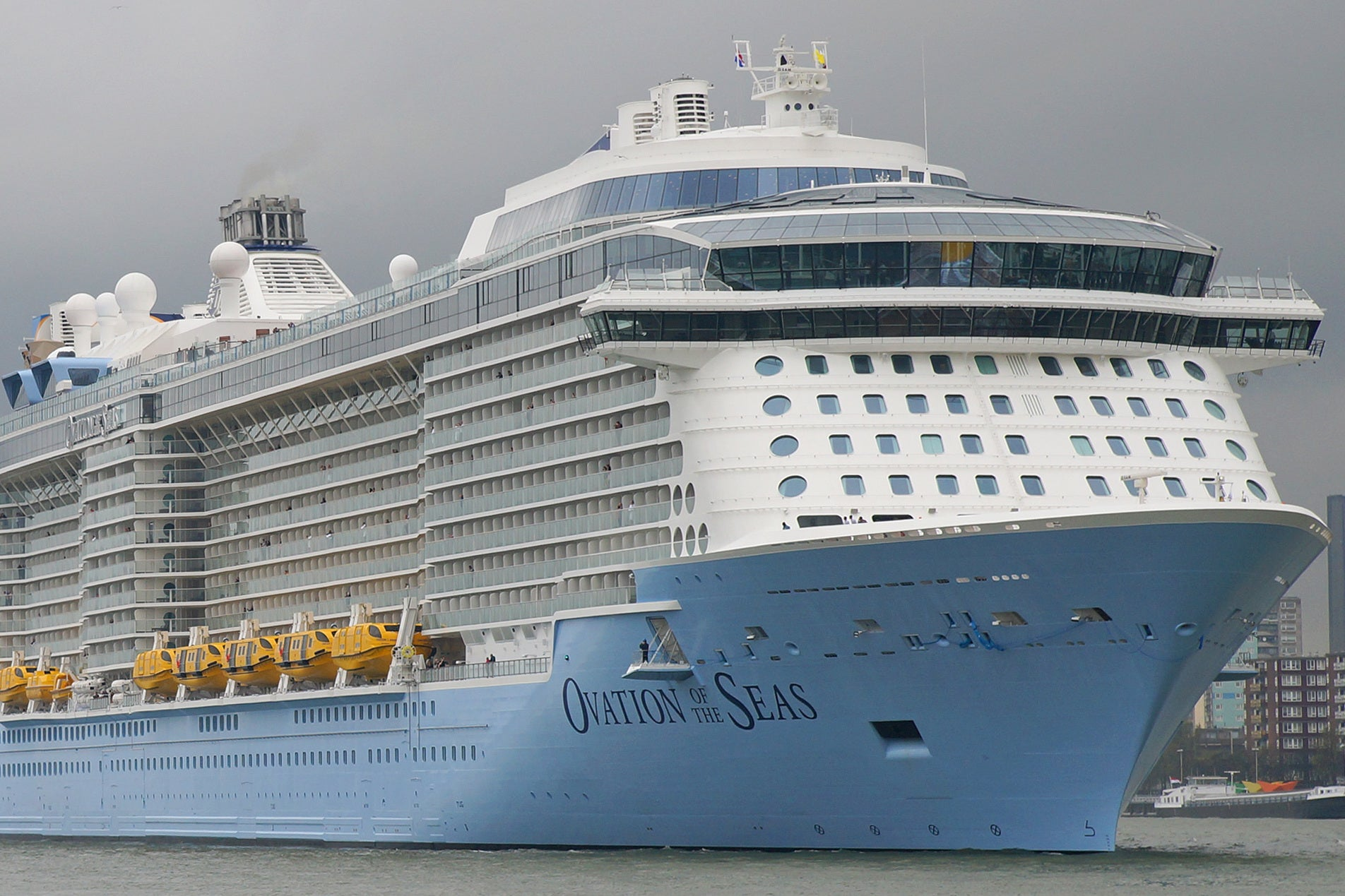 Royal Caribbean Cruise Passengers Struck Down With Gastro - Outbreak on cruise ship