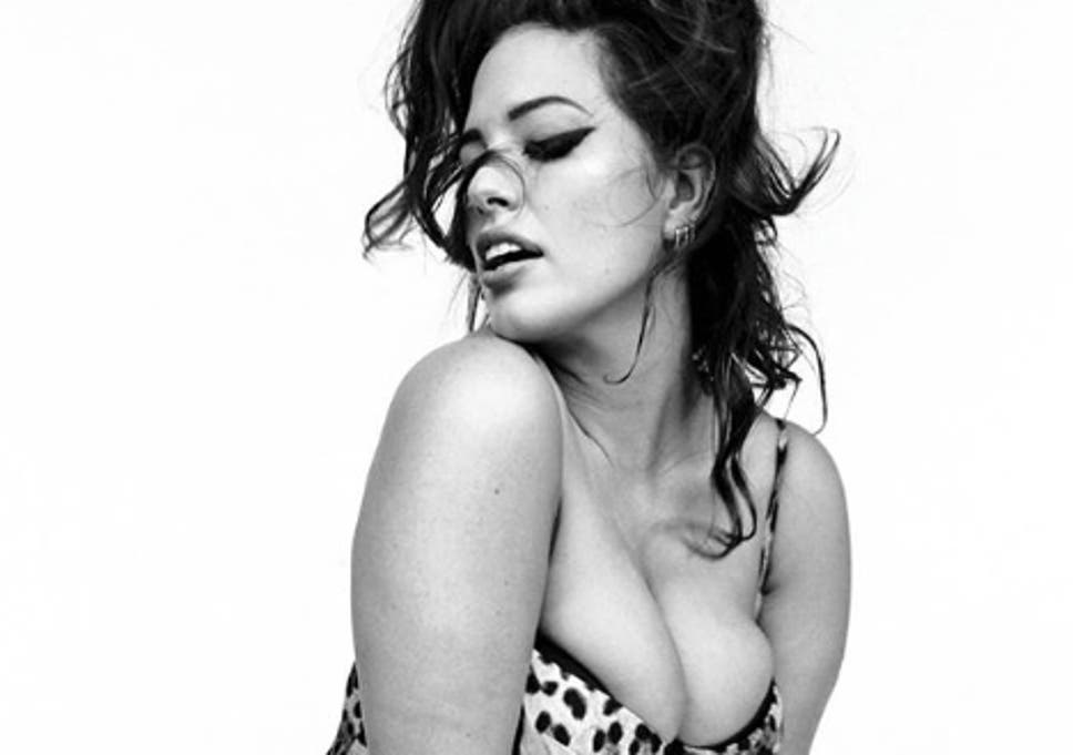 44e8d60c7b0 Ashley Graham praises Italian Vogue for featuring unretouched images from  photoshoot