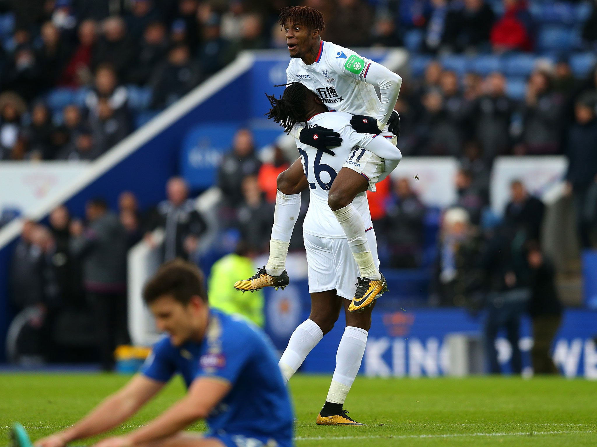 Crystal Palace end away-day hoodoo with emphatic victory against 10-man Leicester