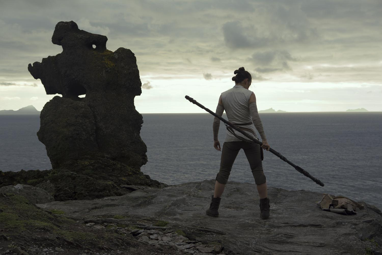 Star Wars: The Last Jedi set to pass $1bn mark by New Year's Eve
