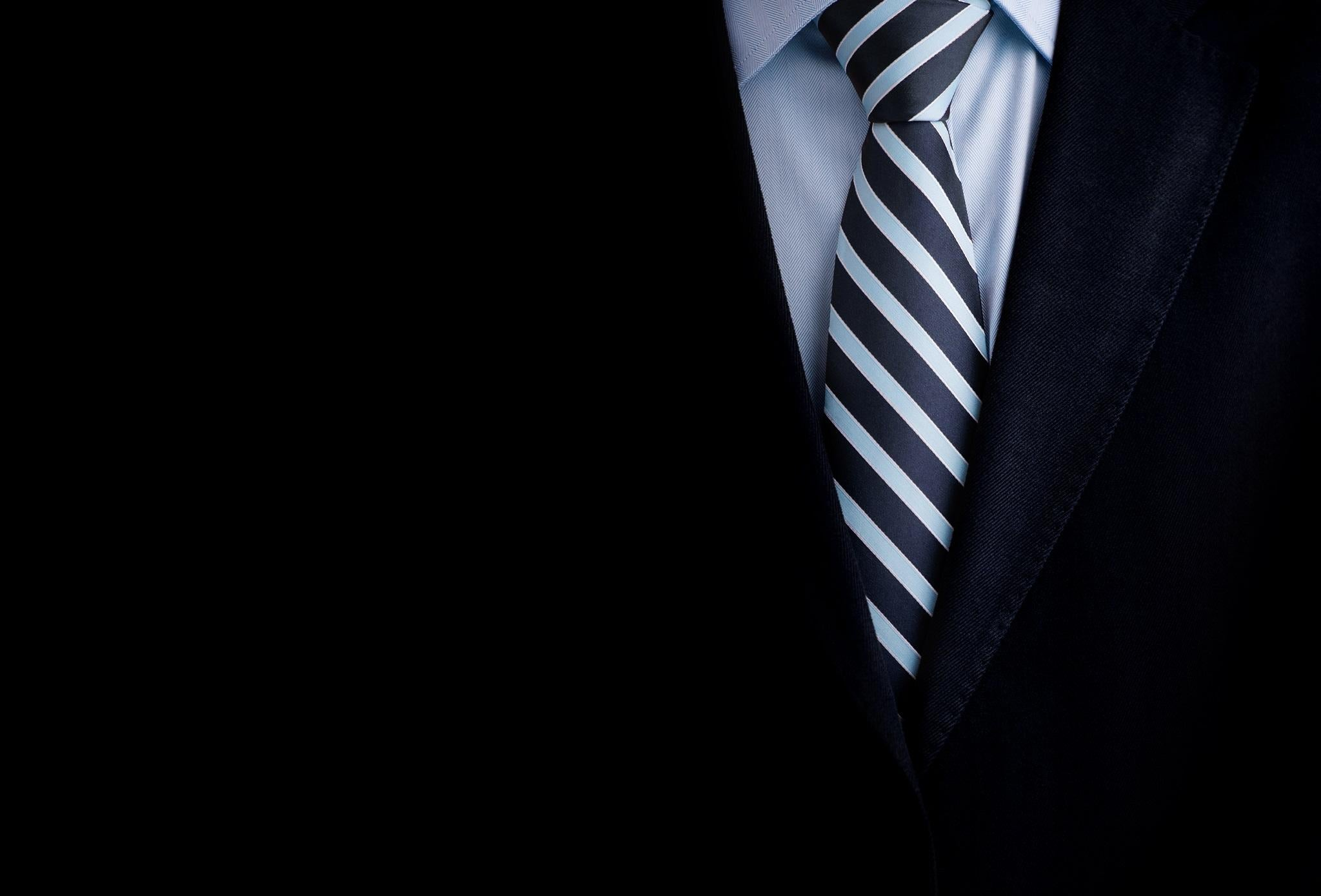 Tie Scarf And Shawl Erieairfair How To A Trinity Knot Diagram Murrell Necktie Create The Perfect Full Windsor Four