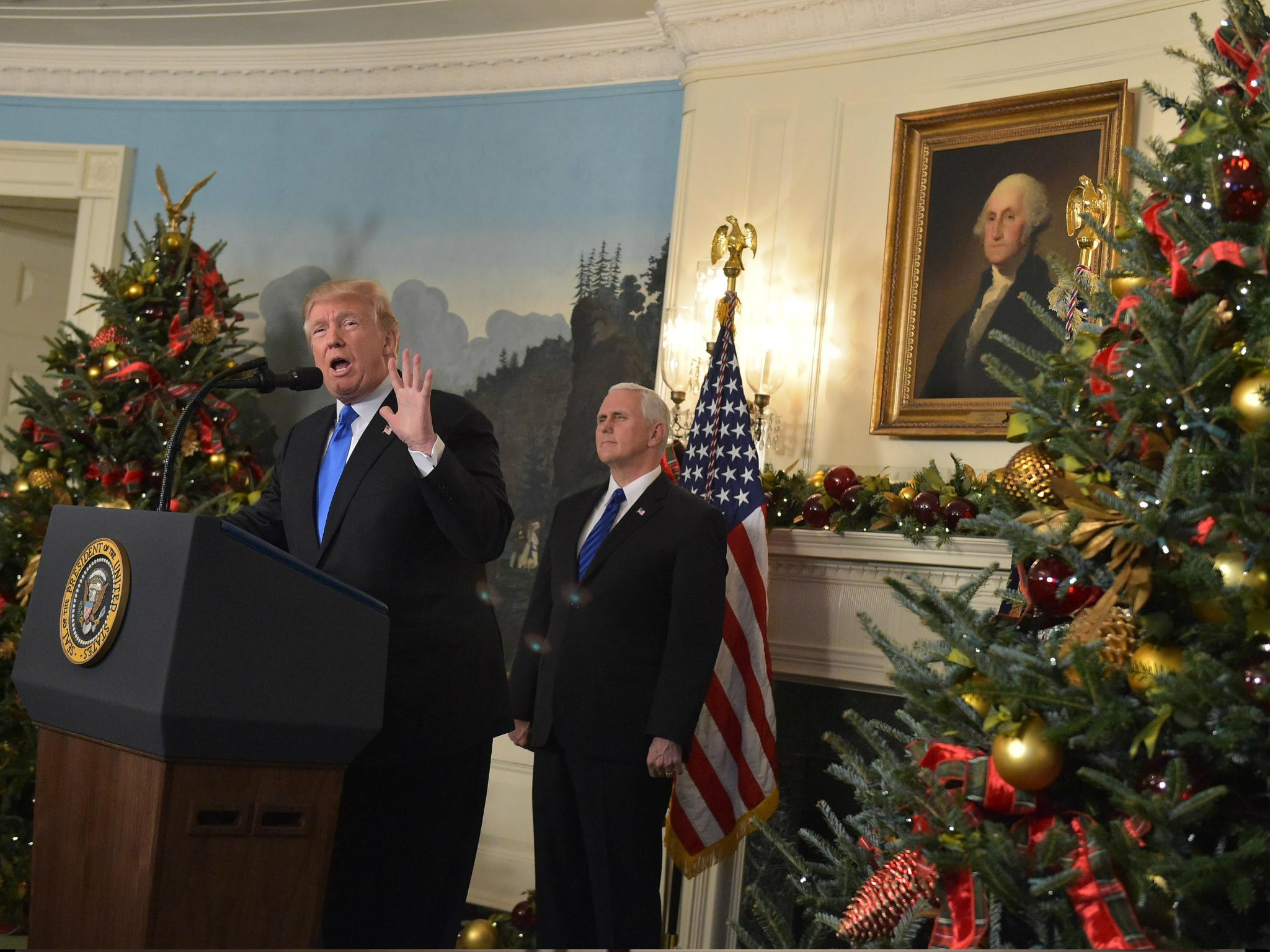 Trump Christmas.Donald Trump Announces We Can Say Merry Christmas Again
