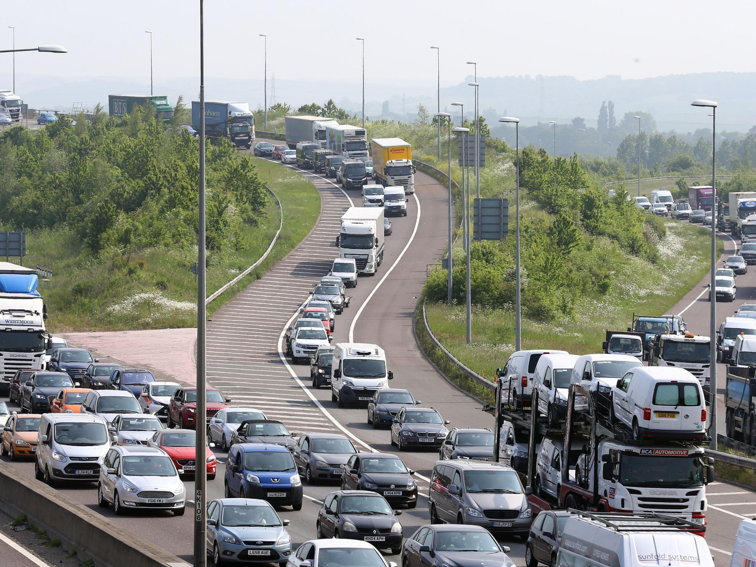 traffic jams are now a major Here's how much traffic congestion costs the world's  in traffic can cost the world's major cities tens  average of 102 hours in traffic jams during.