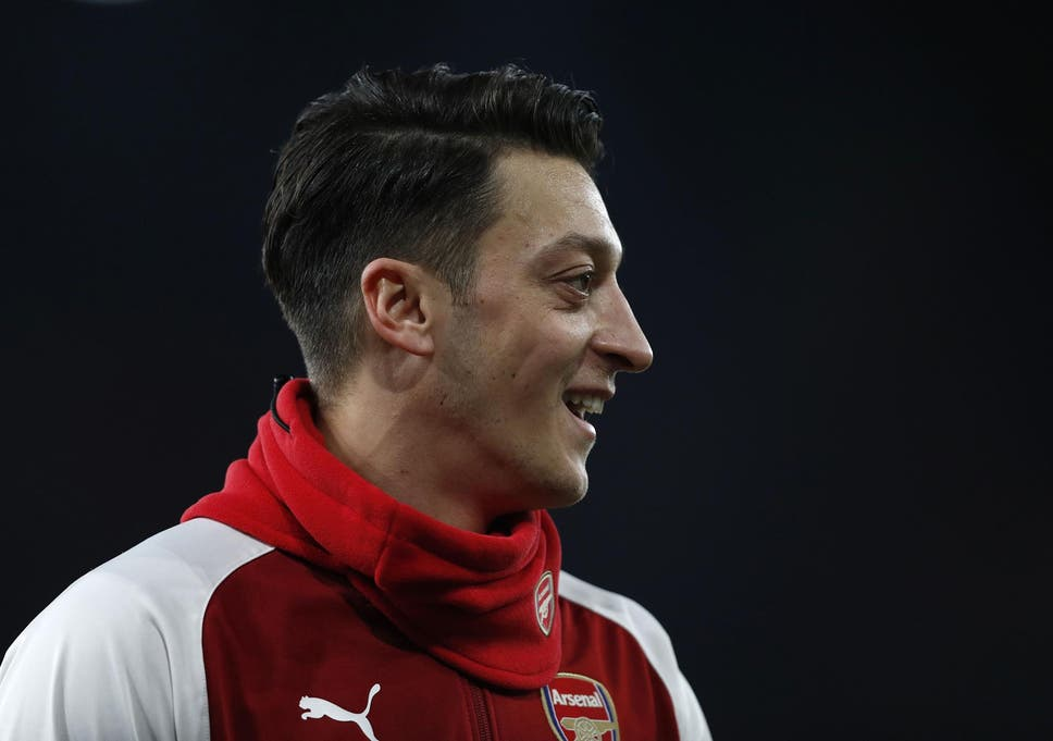 Mesut Ozil Will Sign New Arsenal Contract To Make Him Premier