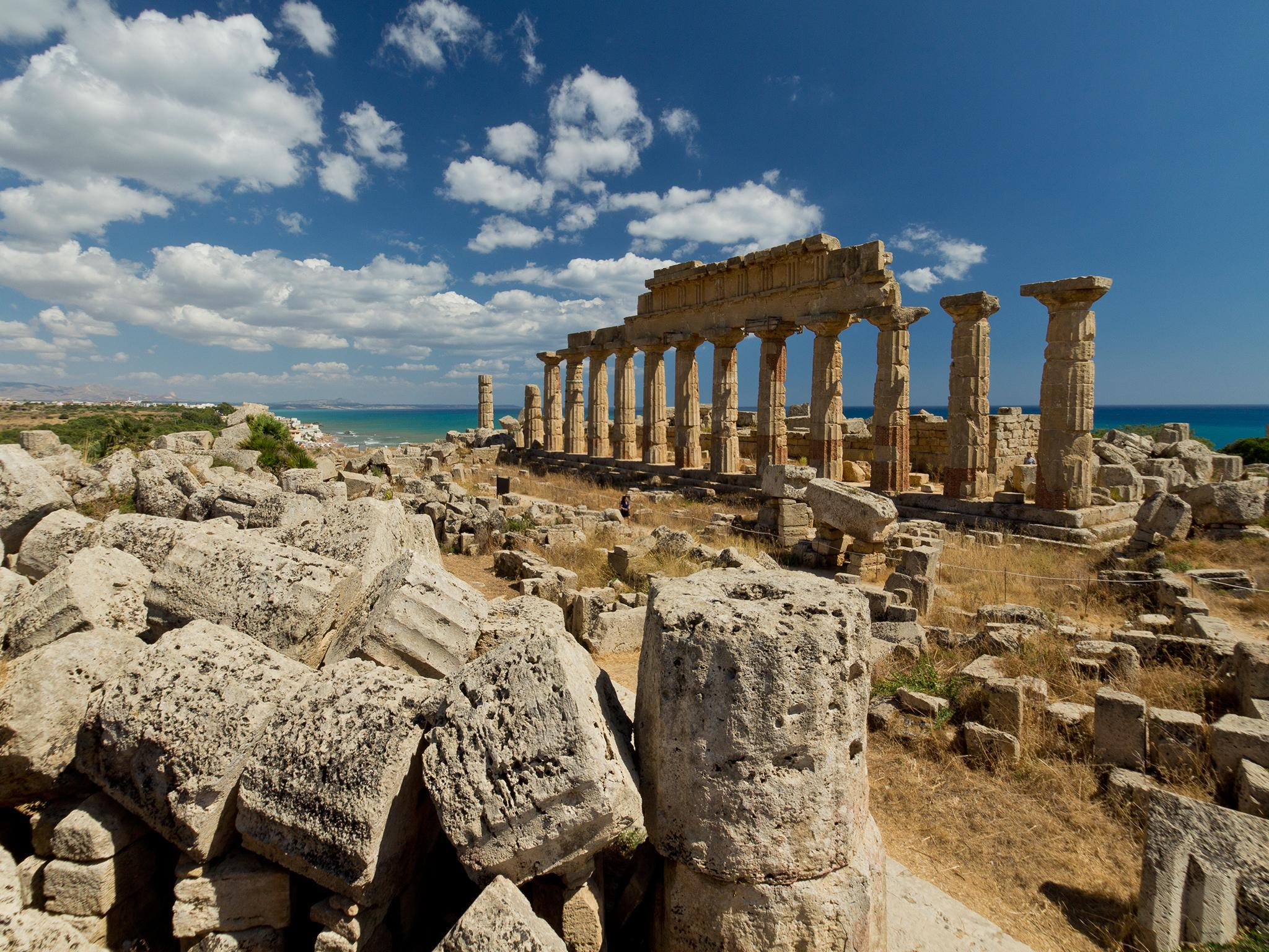 How the ancient Greeks proved Earth was round over 2,000 years ago