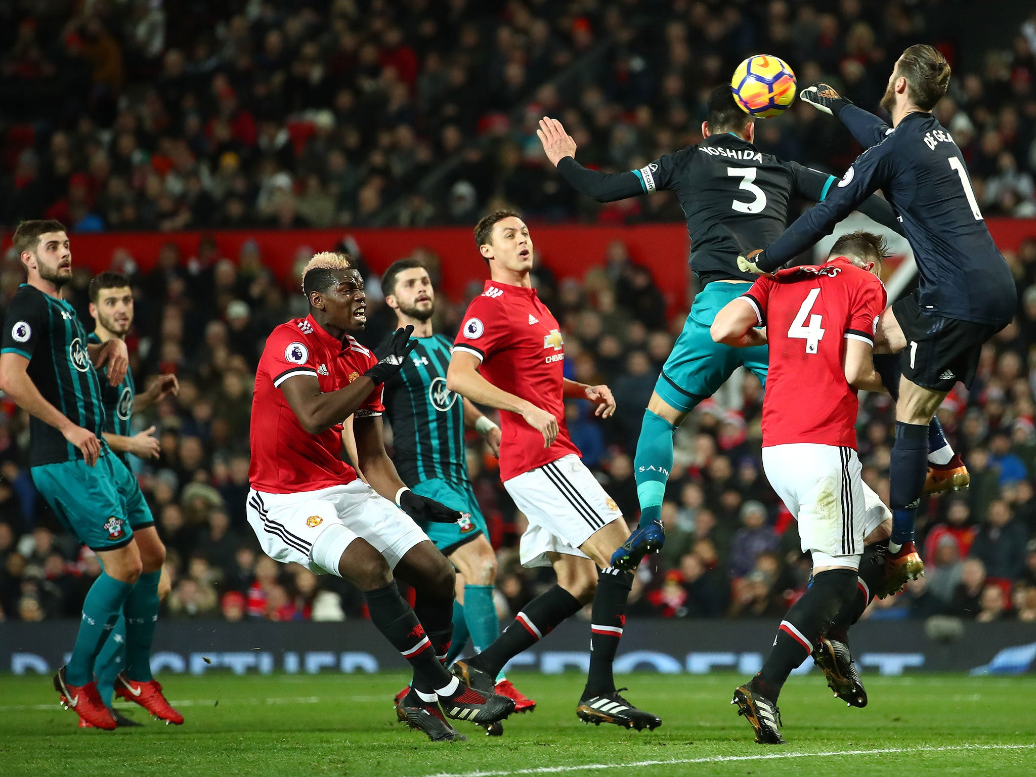 Manchester United draw a blank as Southampton hold on for ...