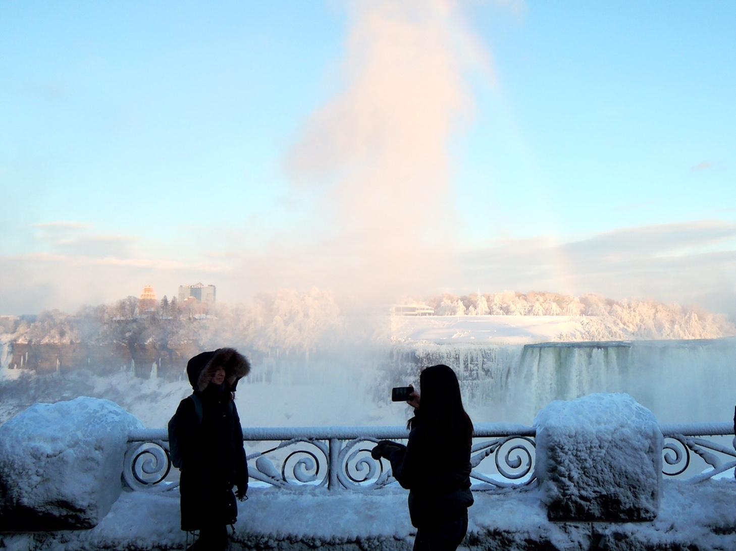 Niagara falls public chat sex