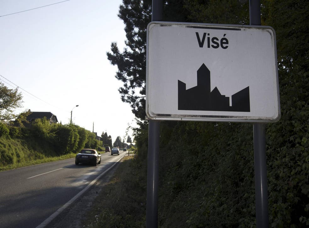 The border change is near the Belgian town of Vise
