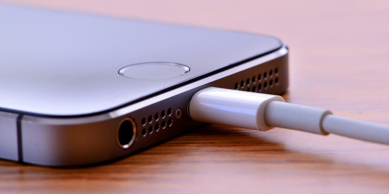 iPhone 5 users must upgrade phones or face bad consequences, Apple s…