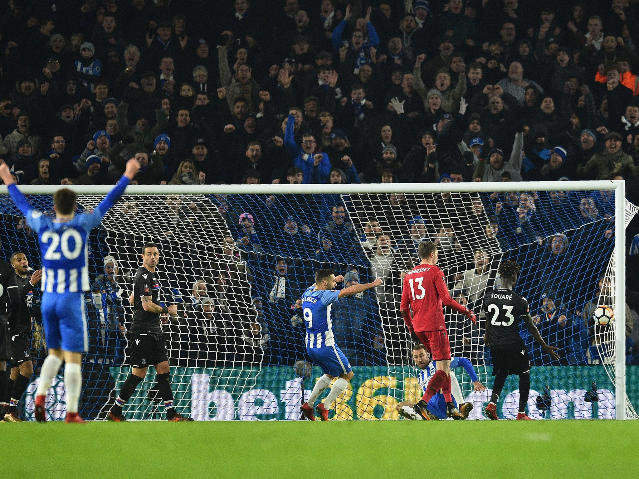 Glenn Murray strikes late to sink former club Palace and see Brighton through to FA Cup fourth round