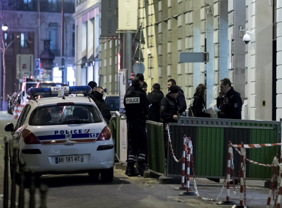 Police at the rear entrance of the Ritz, Paris, following an armed robbery