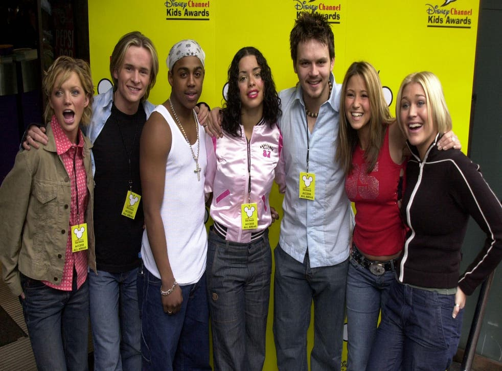 British Pop Band S Club 7 pose for photographers before performing at the Disney Channel Kids awards launch, where the nominations were announced April 24, 2001 in London's Leicester Square Sound Cafe. Credit: Anthony Harvey/Newsmakers.