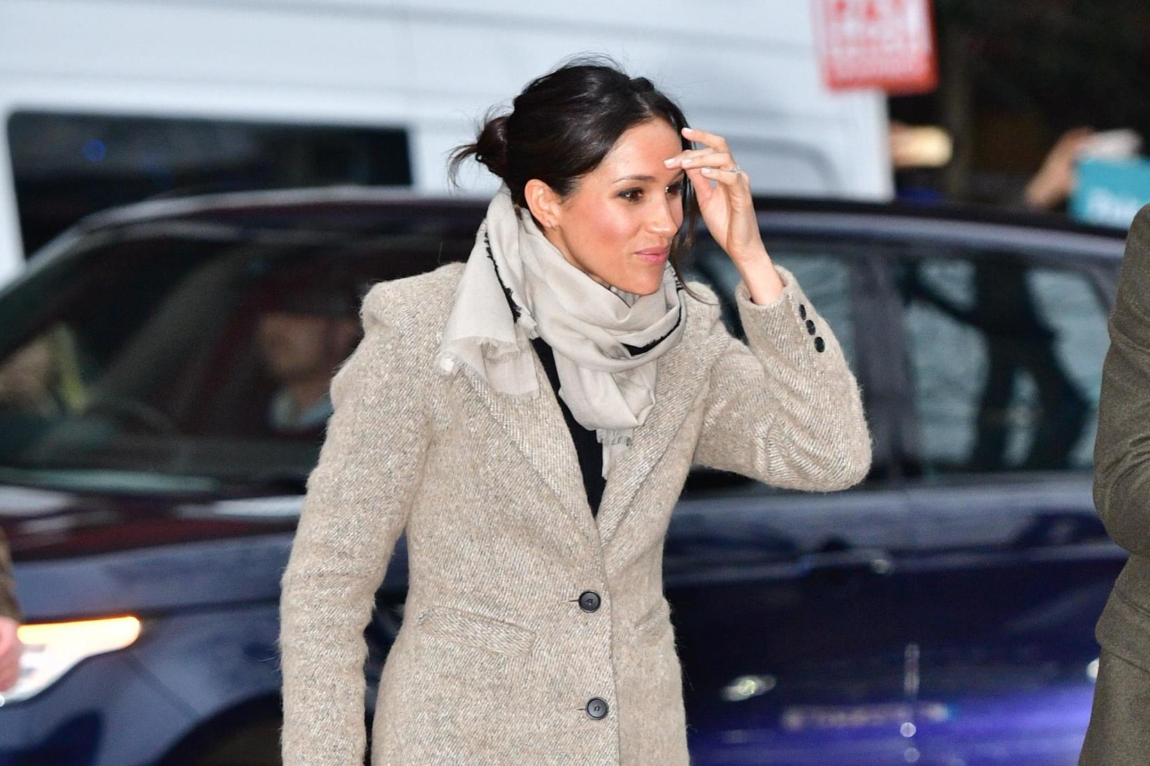 Fashion Hair Style: Meghan Markle's Body Language Suggests Lack Of Confidence