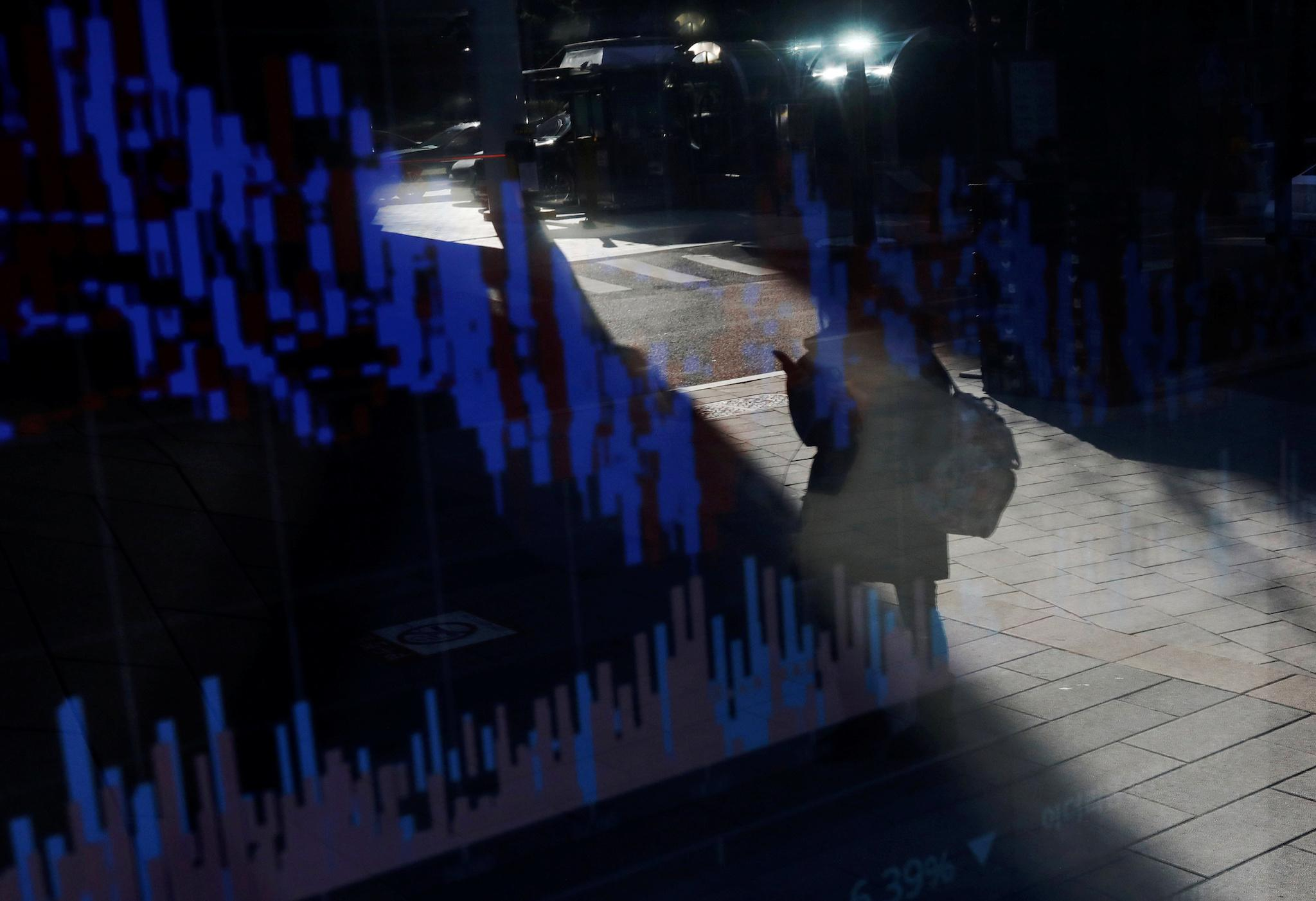 Bitcoin price latest: Cryptocurrency plunges as traders in South Korea forced to identify themselves
