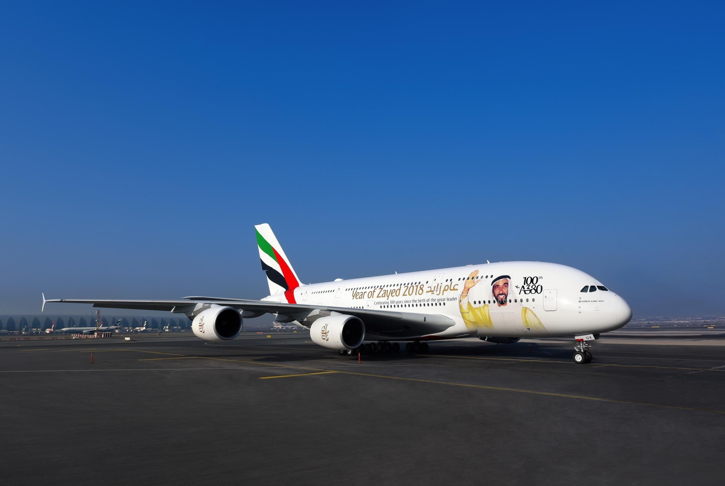 A380 - 100th Emirates