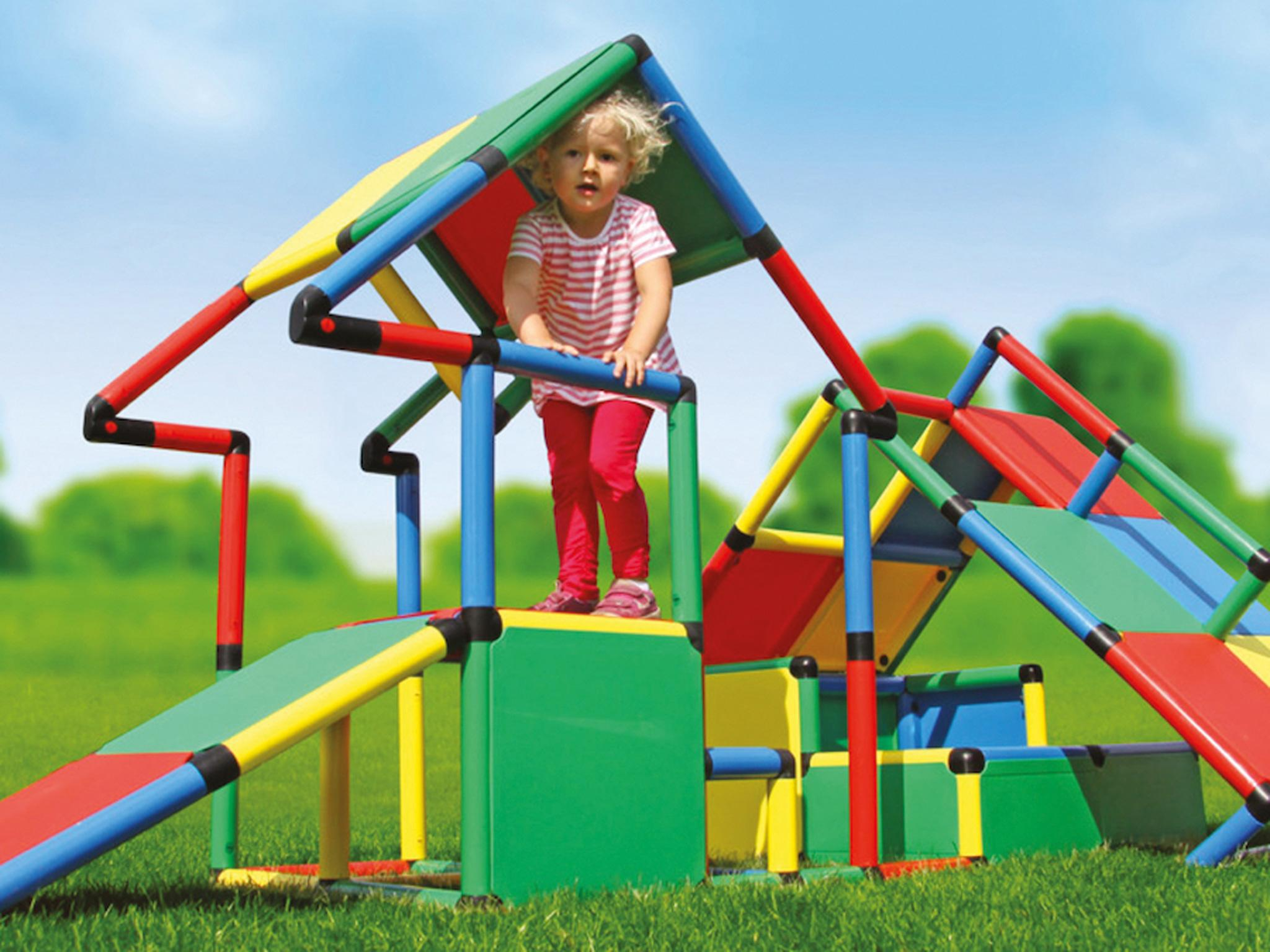 Best climbing frame for your kids: From walls to slides and