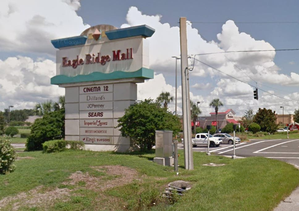 Florida mall explosion: Manhunt under way after pipe bombs