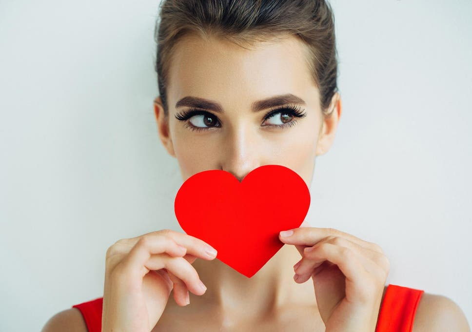 Relationship experts say these are the 8 red flags to look