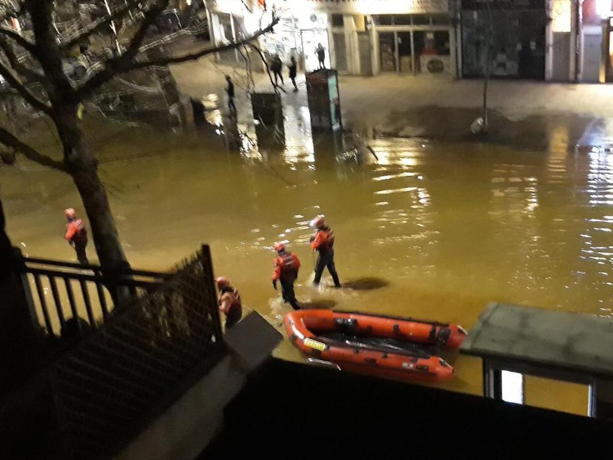 Hammersmith flood: Scores evacuated from streets as flash