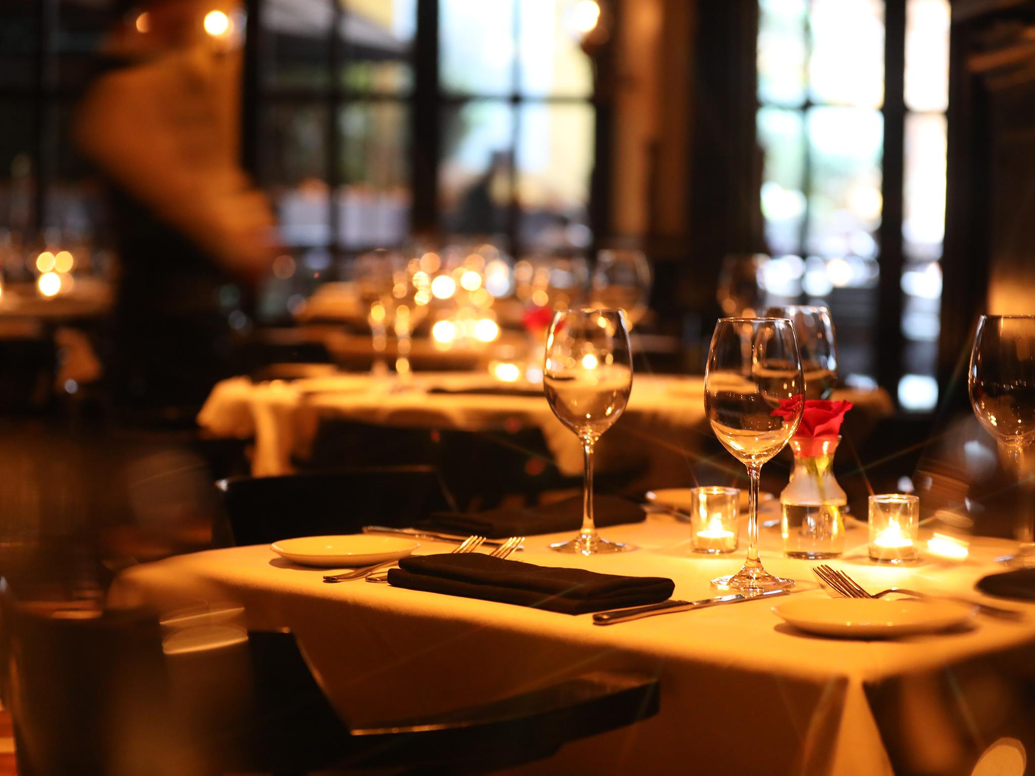 Superbe Should Restaurants Charge Customers Who Fail To Show Up? | The Independent