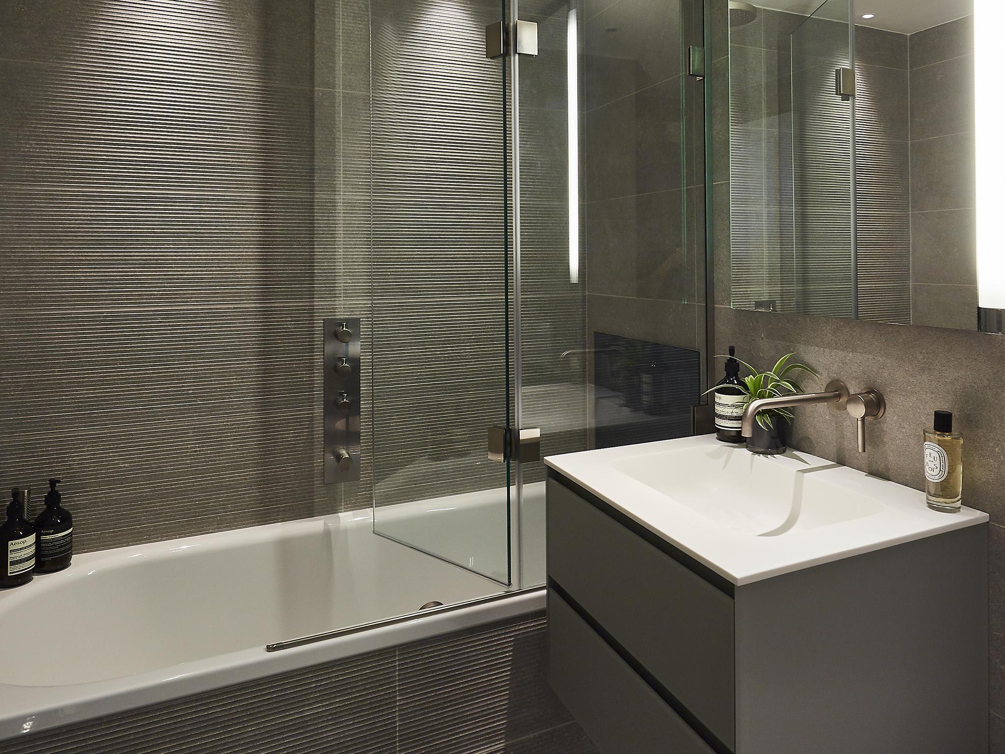 Bathroom Designs For S Html on decorating styles 1930 s, tile desgins 1930 s, bathroom tile designs from 1930,