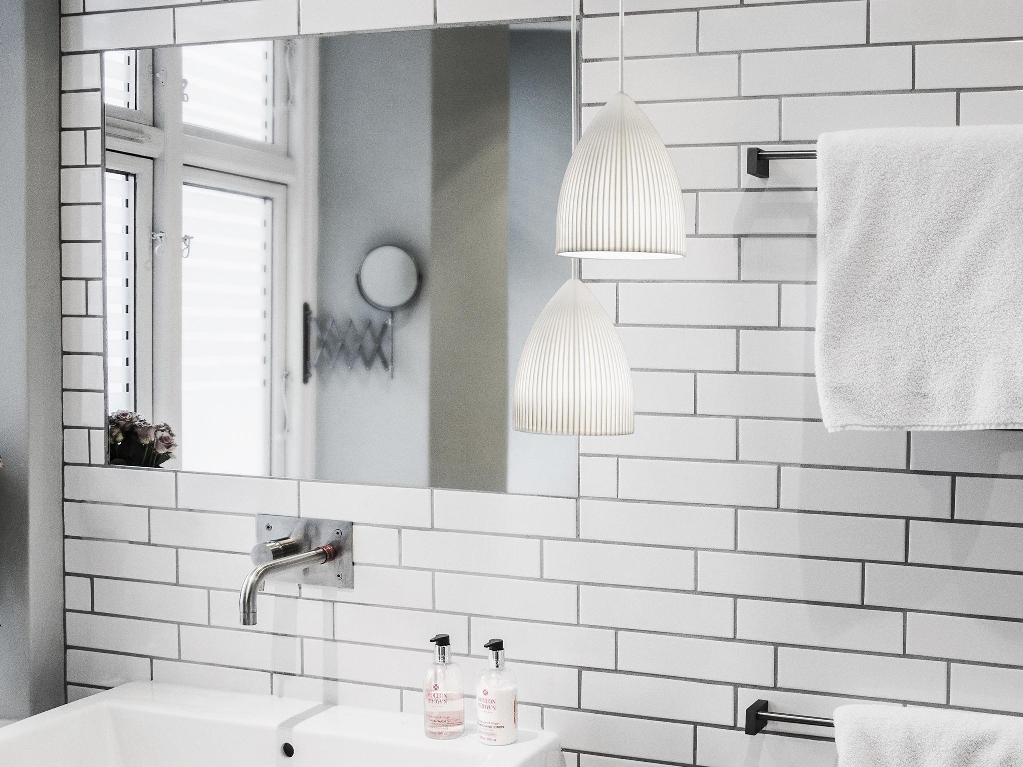 How to plan and decorate your bathroom: Top tips from an interior ...