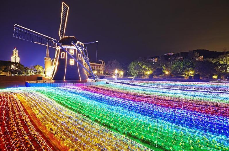 Neon Letters Huis : Huis ten bosch inside the world s weirdest theme park the