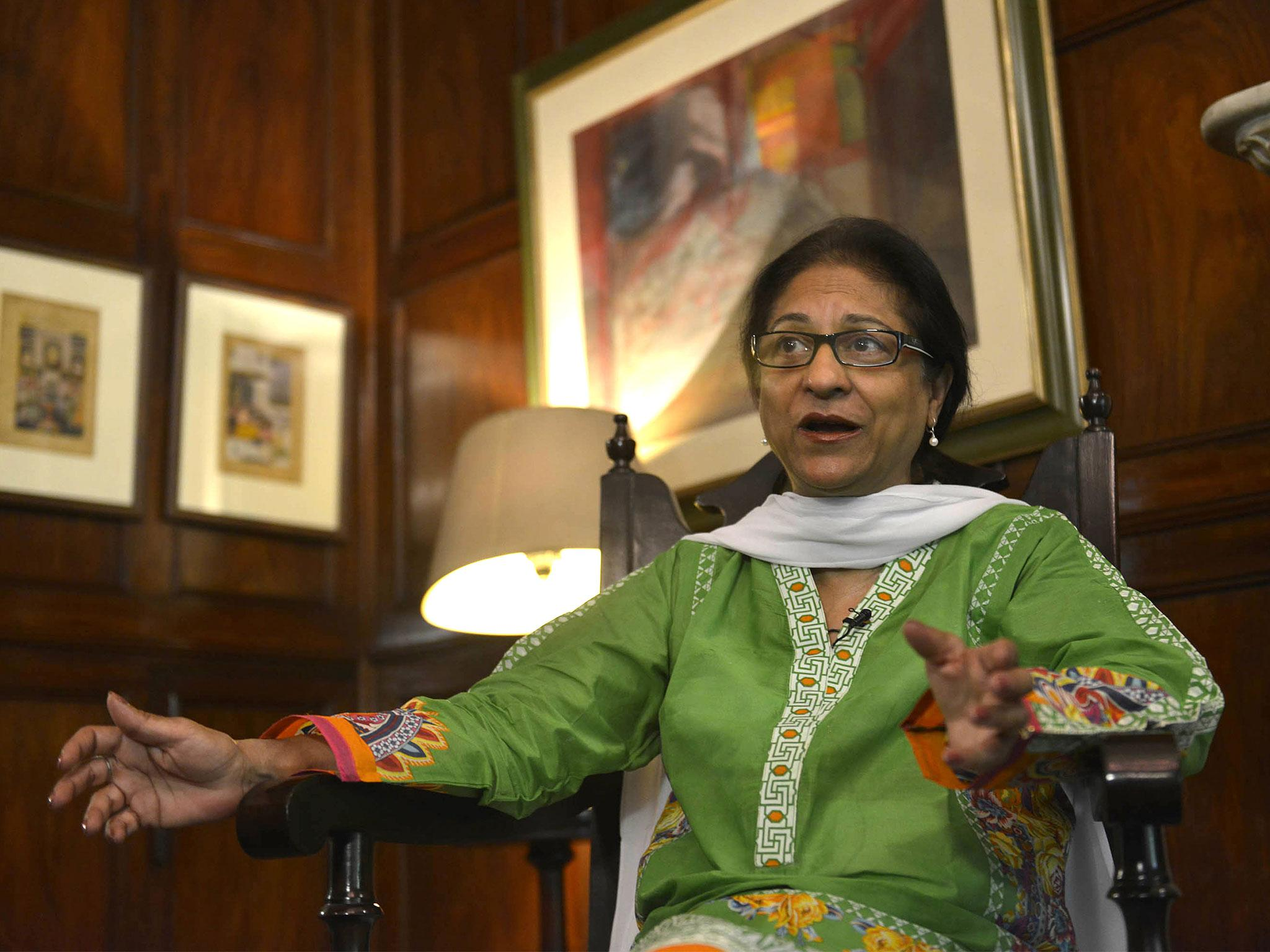 Asma Jahangir: Pakistani human rights campaigner and lawyer, dies aged 66