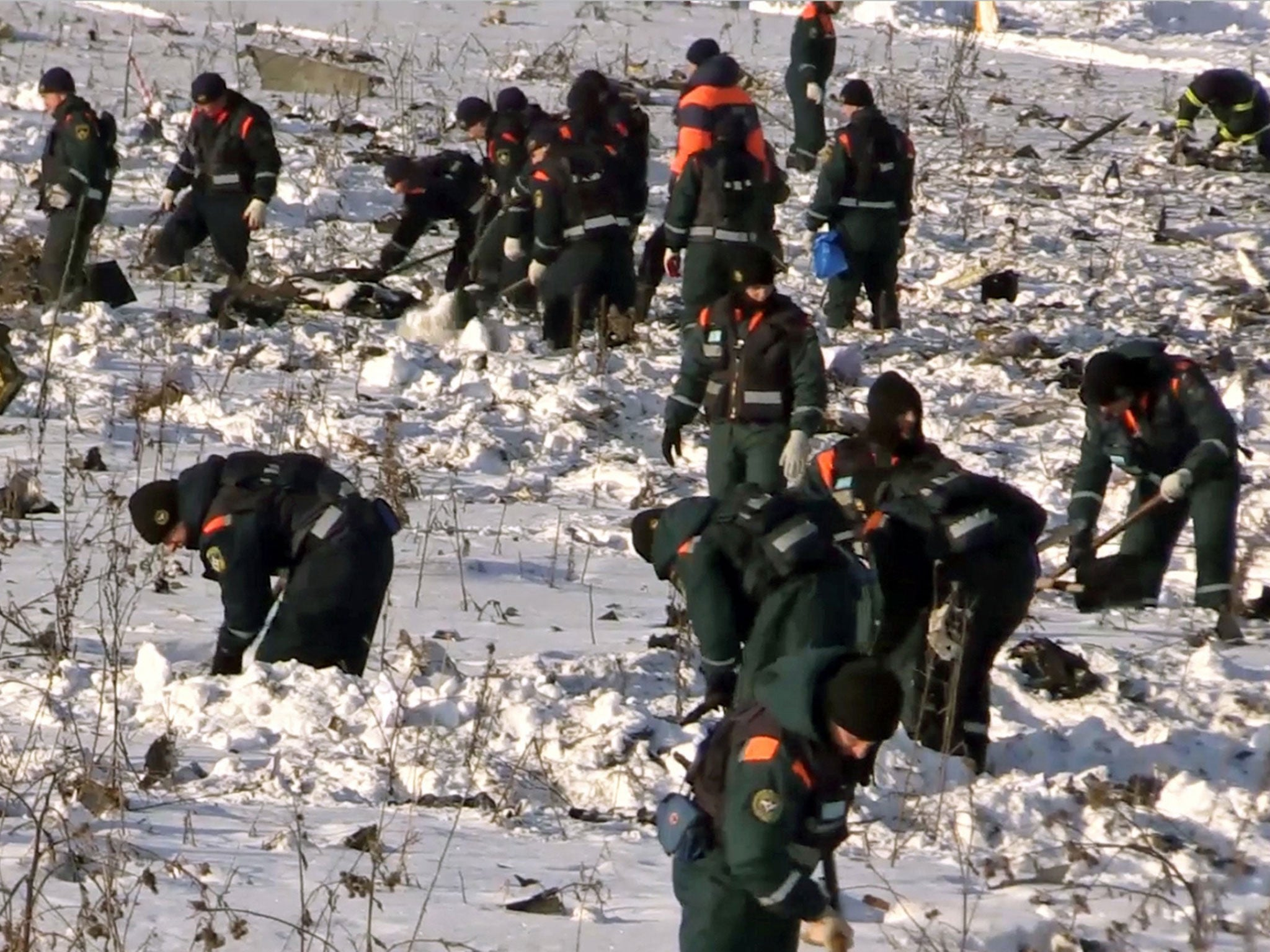 Moscow plane crash: Russian investigators try to piece together what brought down Saratov Flight 703