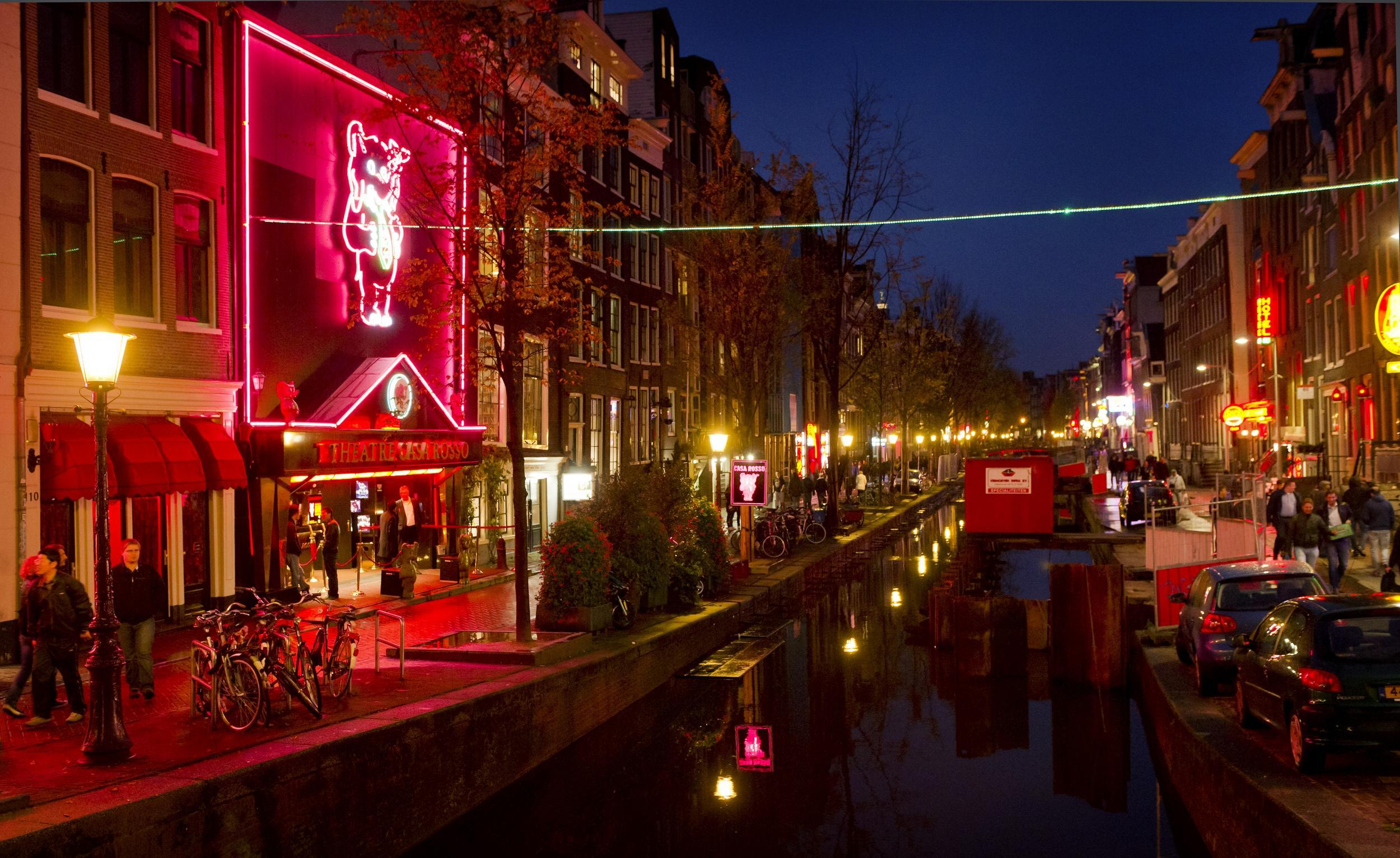 Amsterdam to ban all tours of red light district
