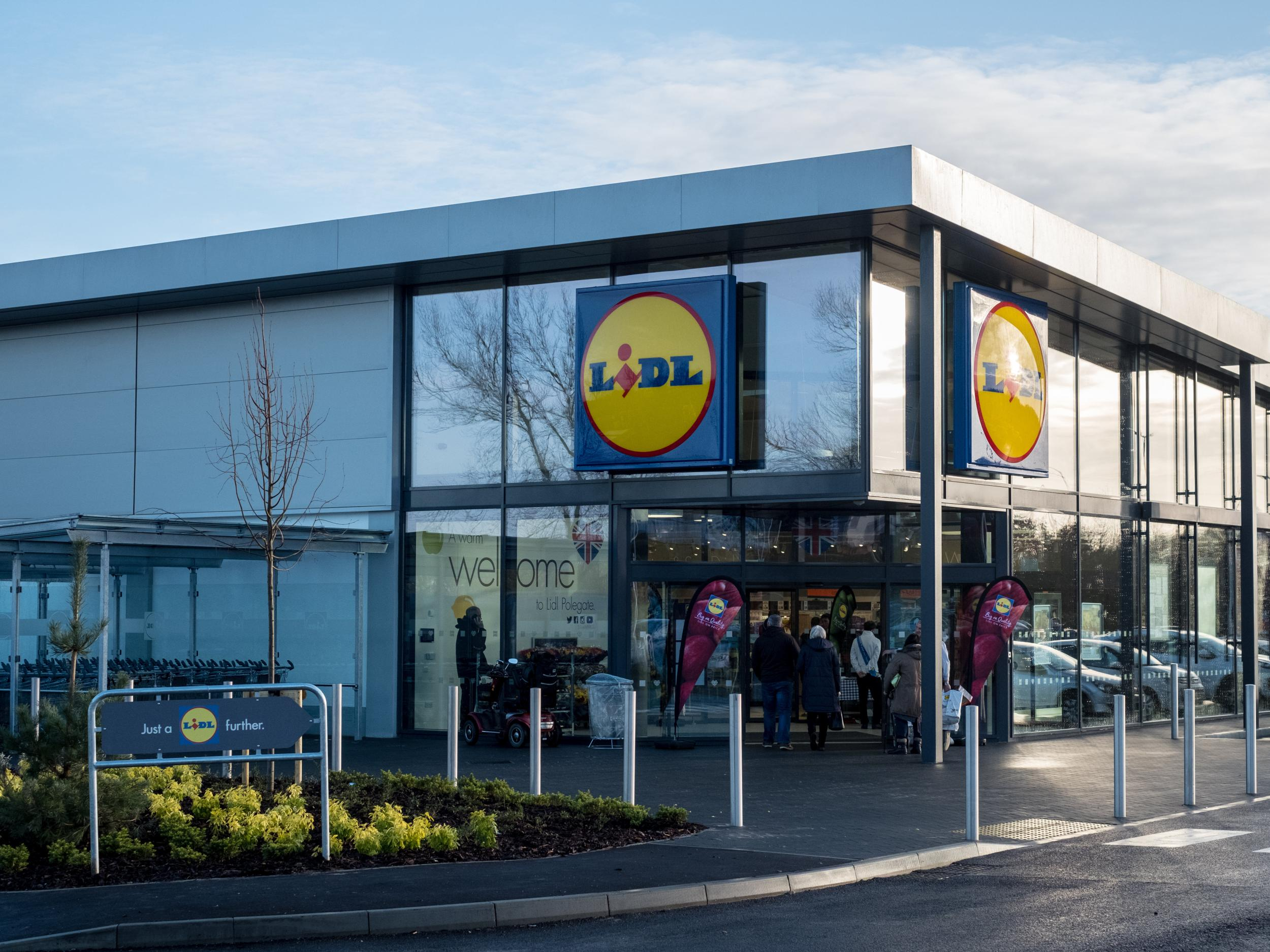 Lidl to create 700 new UK jobs as part of massive expansion drive ... d4837c6515
