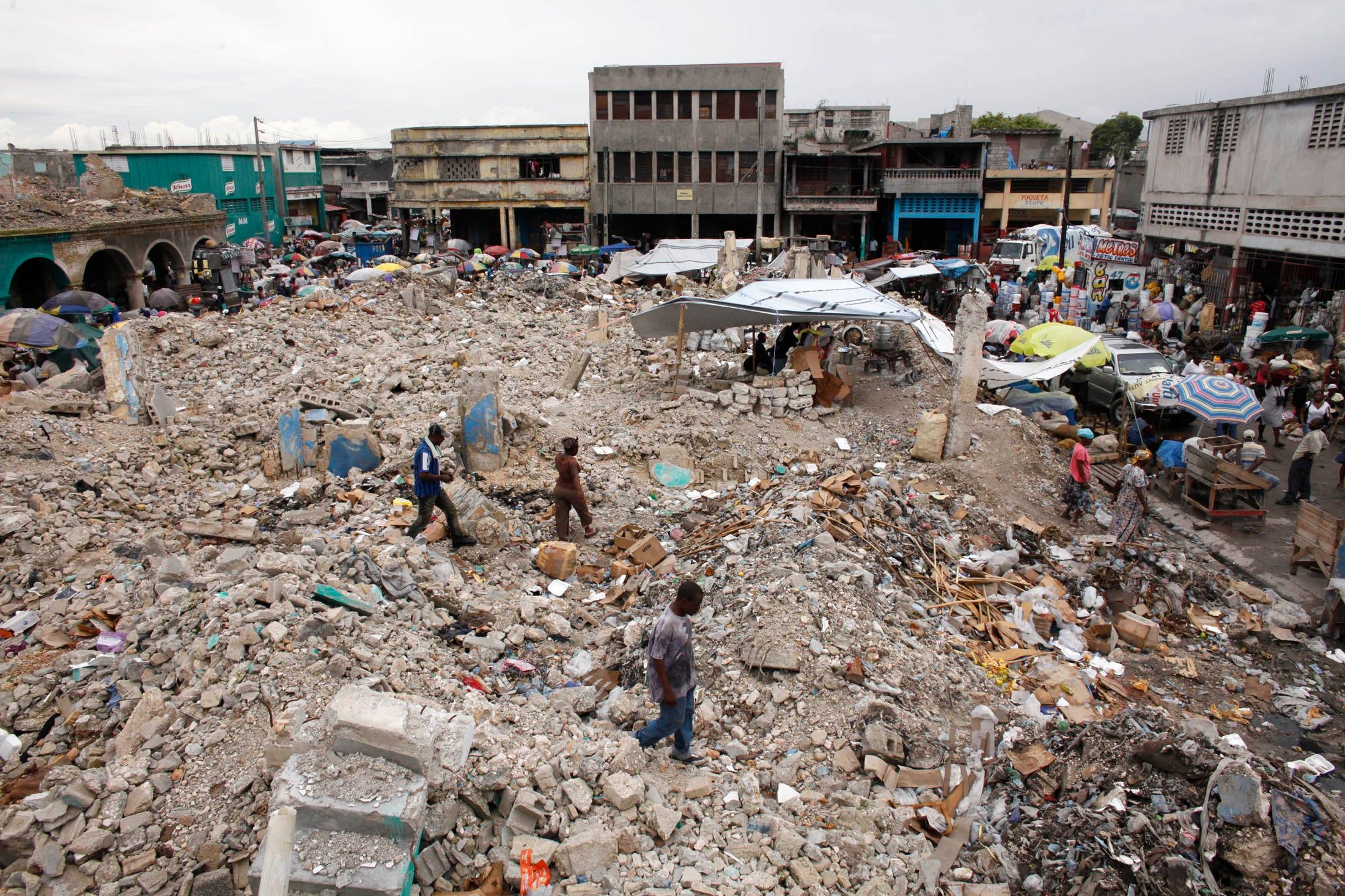 earth quake in haiti essay The essay should be about the earthquake in haiti in 2010 what kind of plate action caused it, what kind of seismic wave, property damage, and why haiti was hit so hard and the dominican republic was not seeing as though they are both on the same small island.