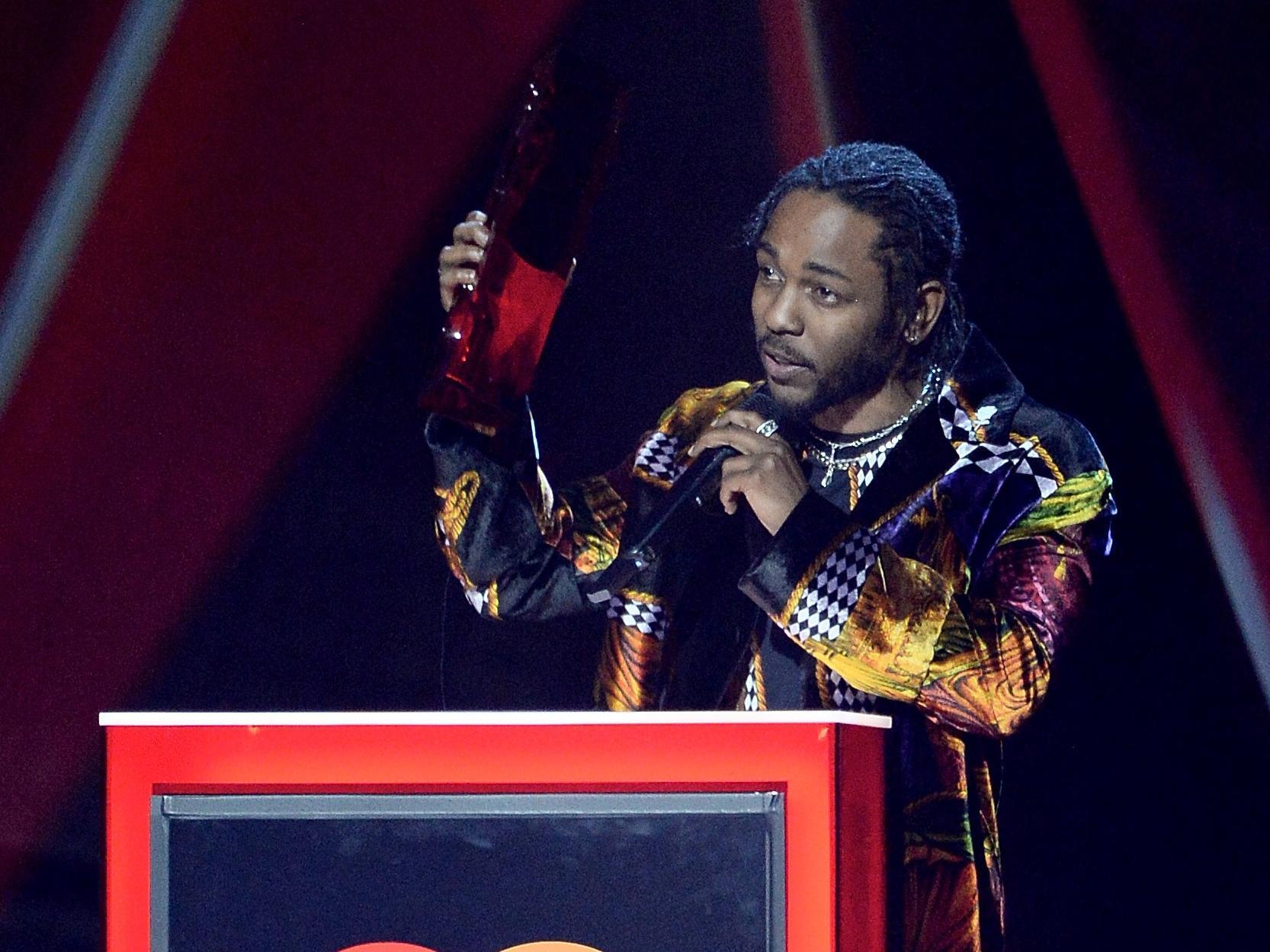 Kendrick lamar wins pulitzer prize for groundbreaking - Kendrick lamar swimming pools torrent ...