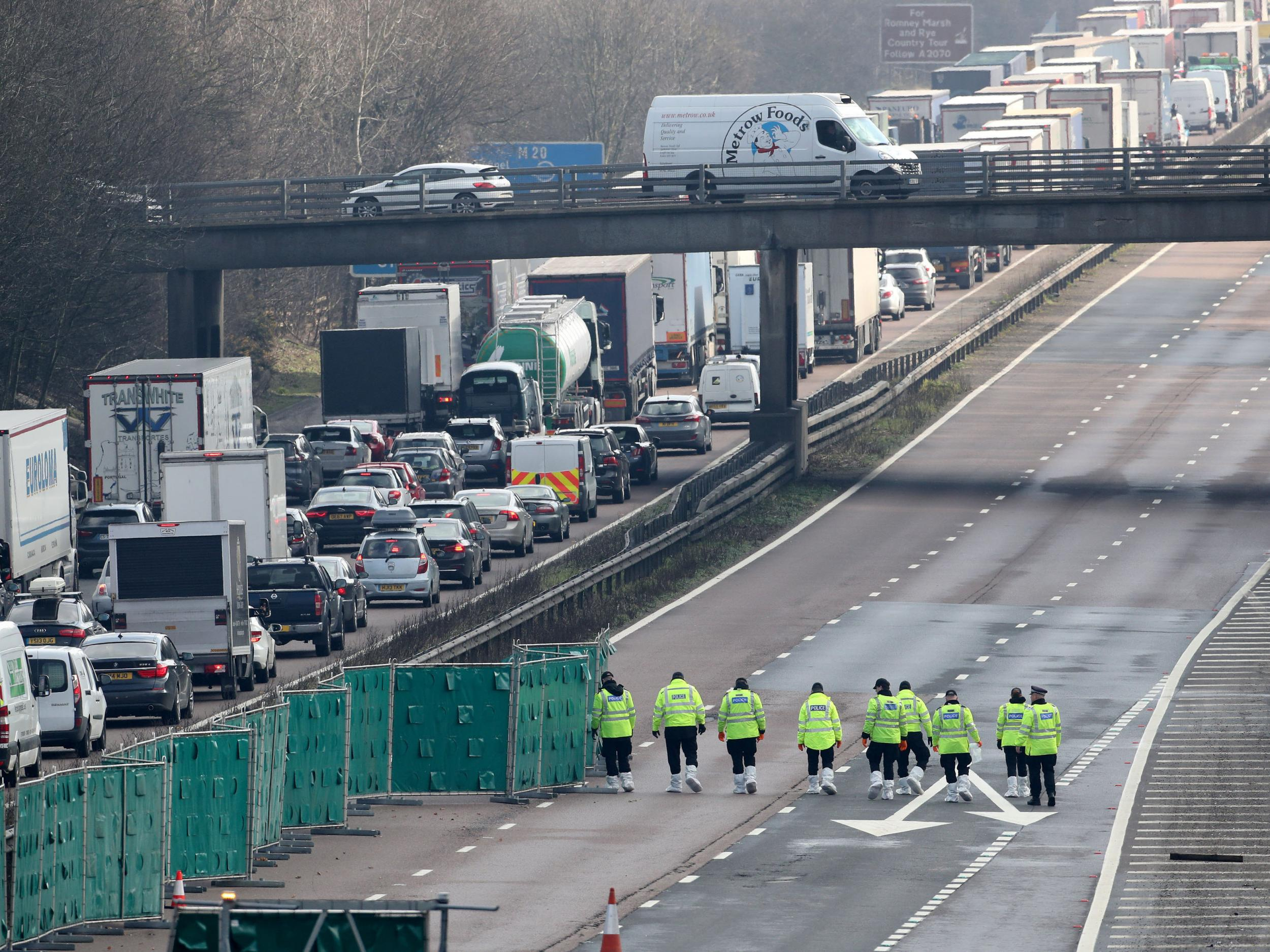 M20 latest: Man arrested on suspicion of murder after body found on motorway